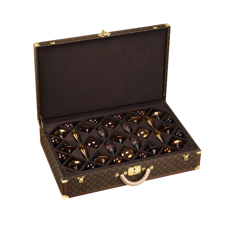 (c) Louis Vuitton Valise 35 Noel