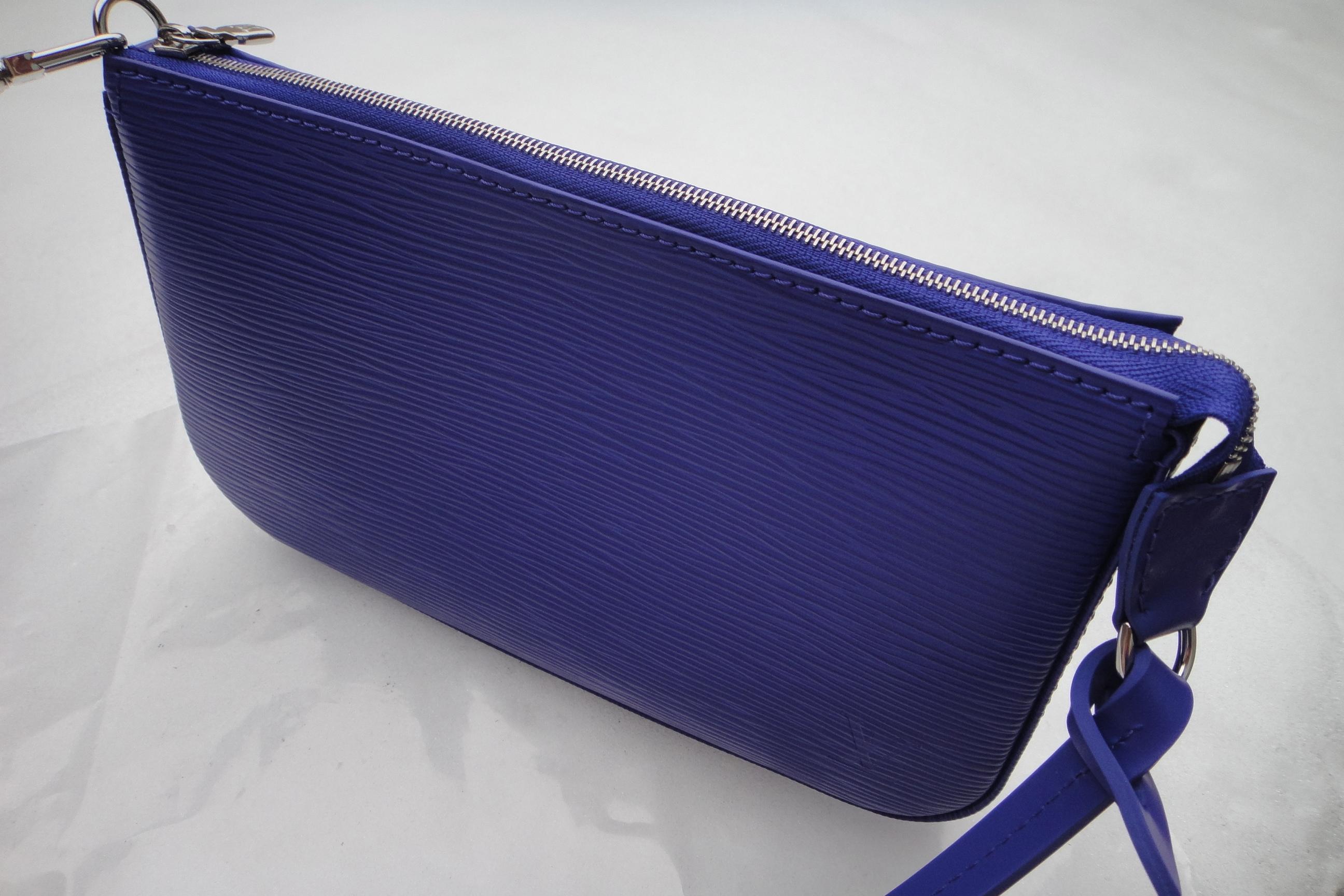 LV Epi FIGUE colored Pochette Accessoires