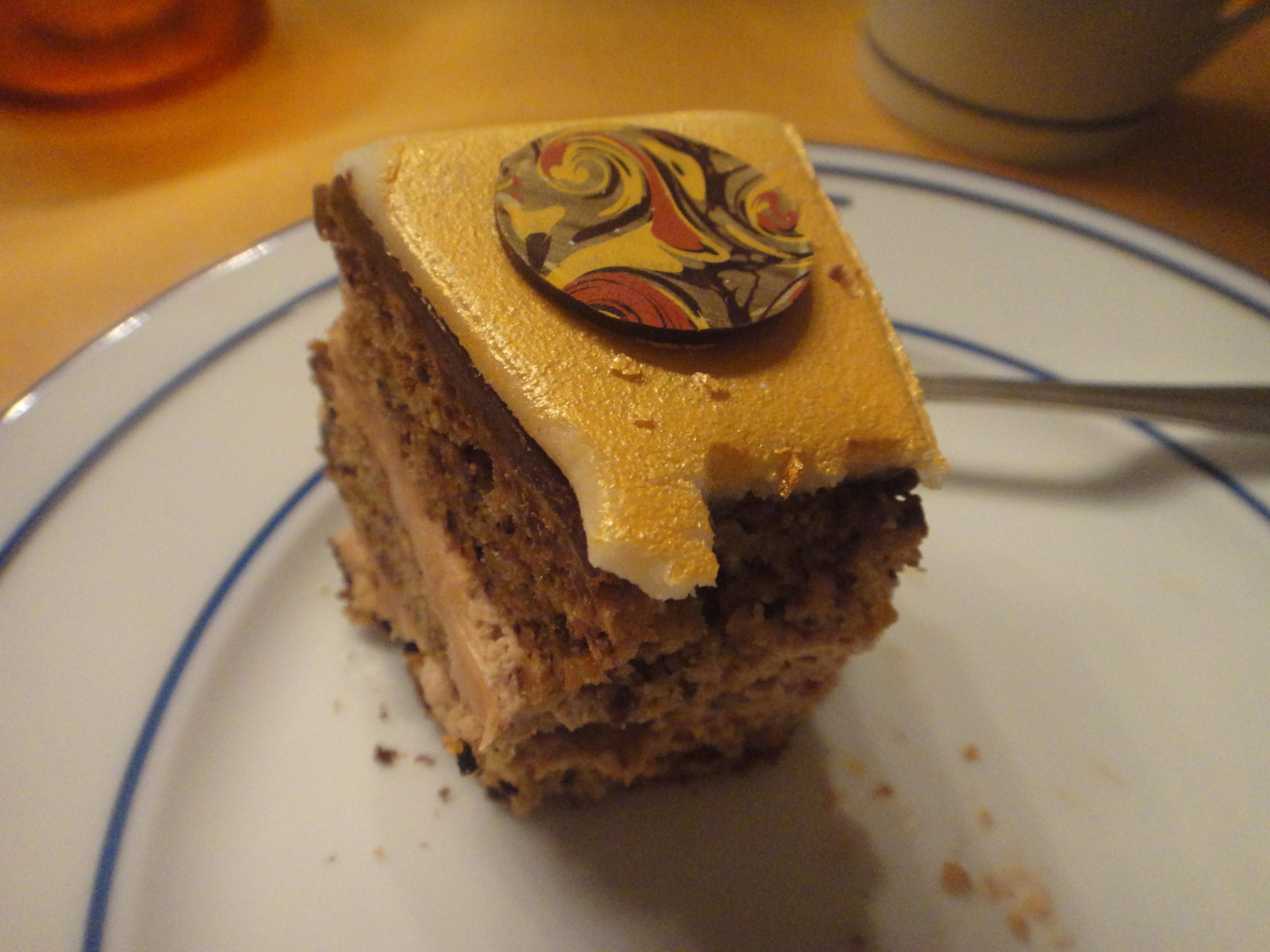 ..after bite, delicious! / ...für Stückchen, köstlich!