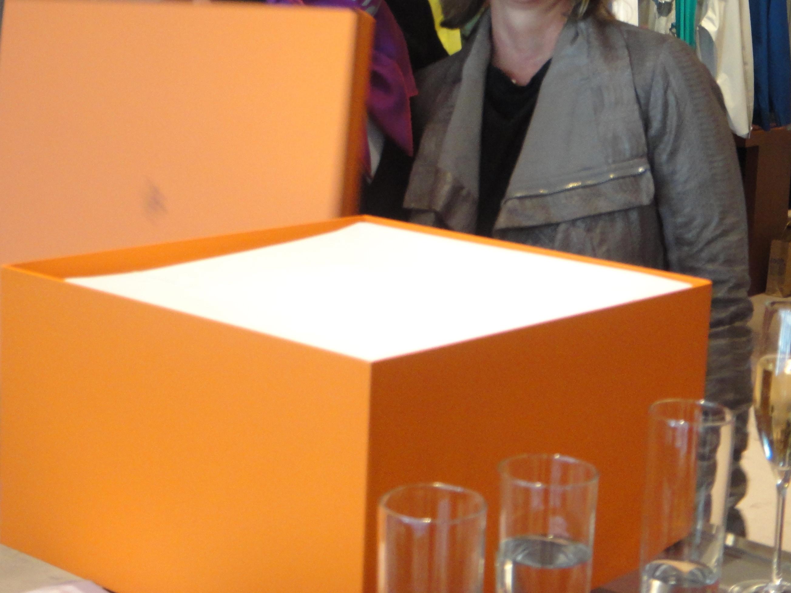 what's inside the box? / Was befindet sich in dem Karton?