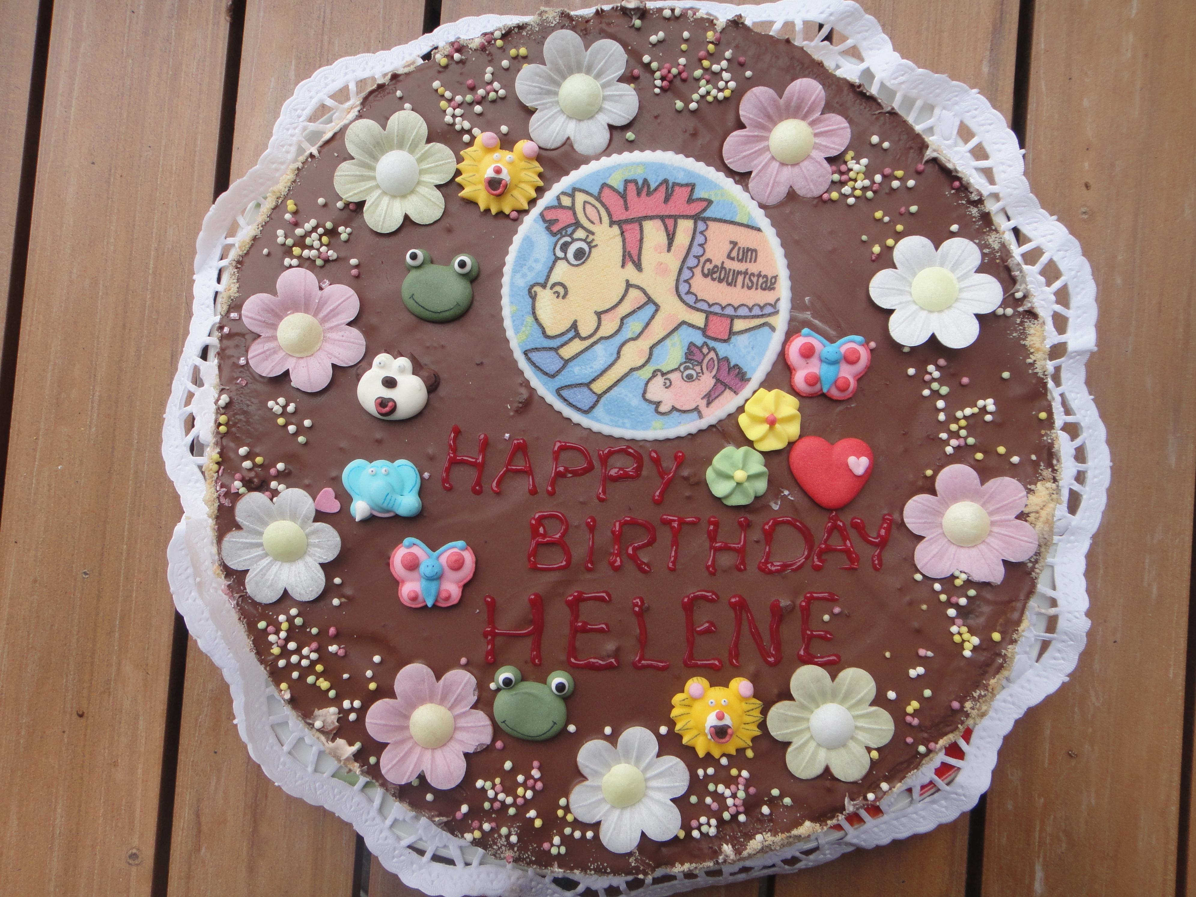 One of 3 cakes made by aunt Isa / Tante Isa hat gleich 3 Kuchen gebacken