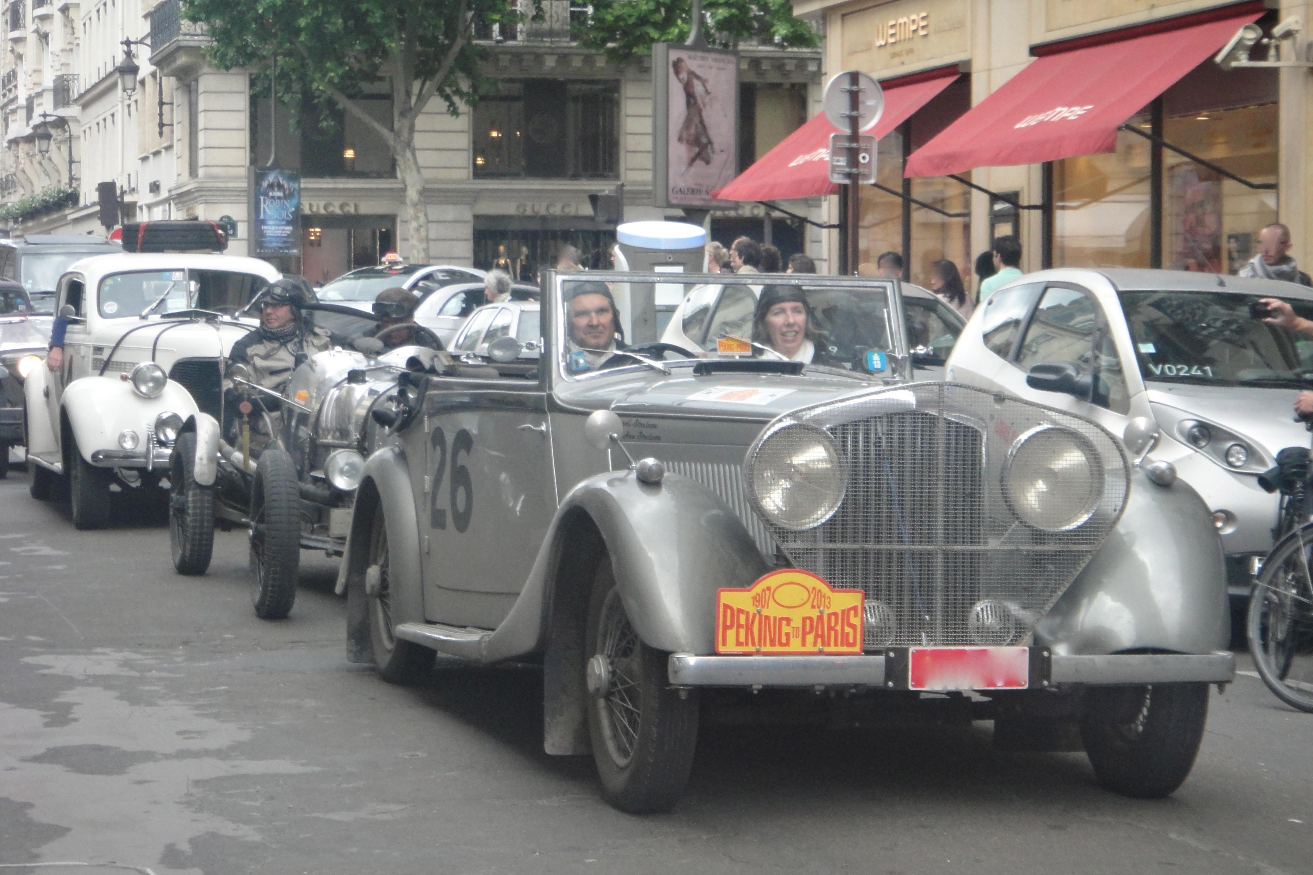 arrival of participants Beijing- Paris, rue du faubourg st. honoré