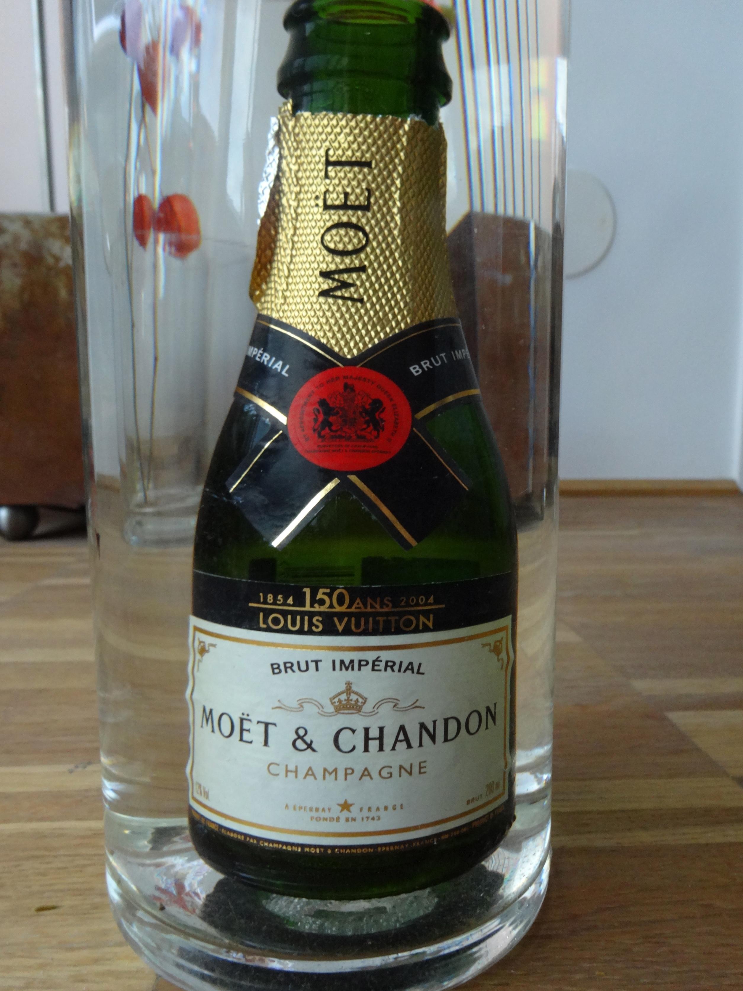 empty anniversary bottle / leere Jubiläumsflasche