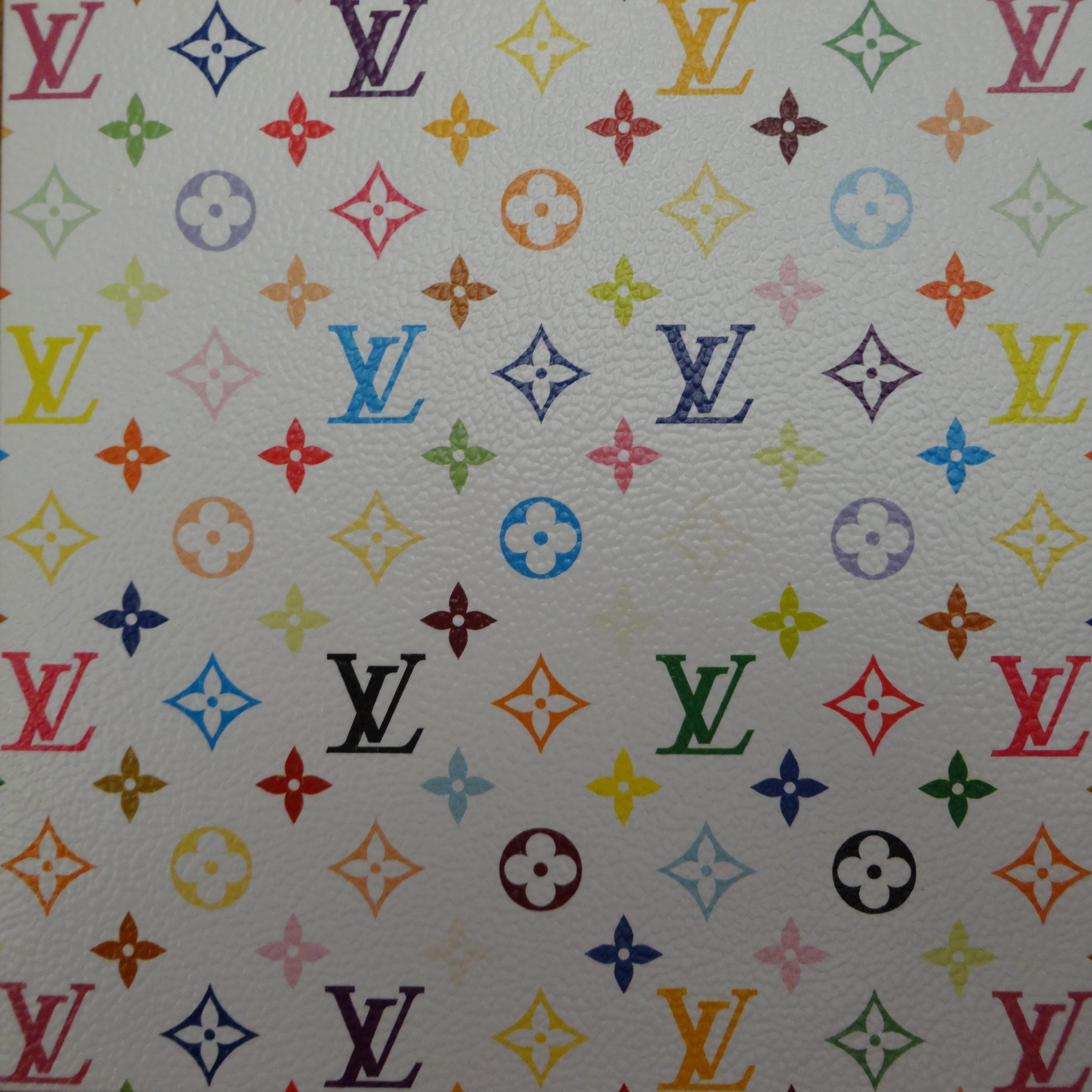 Multicolore white paper CD cover