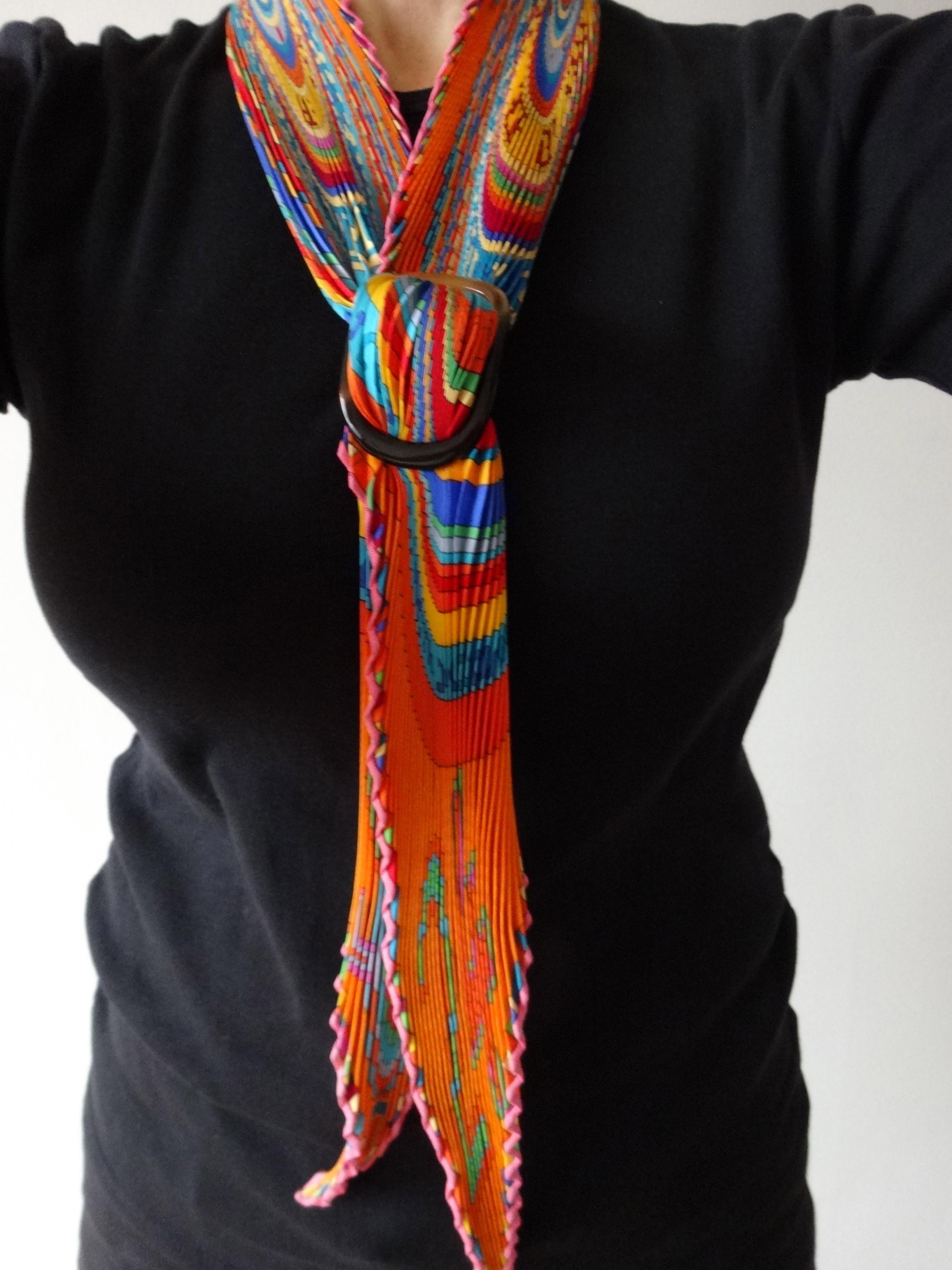 TohuBohu with MaiTai shawl-ring