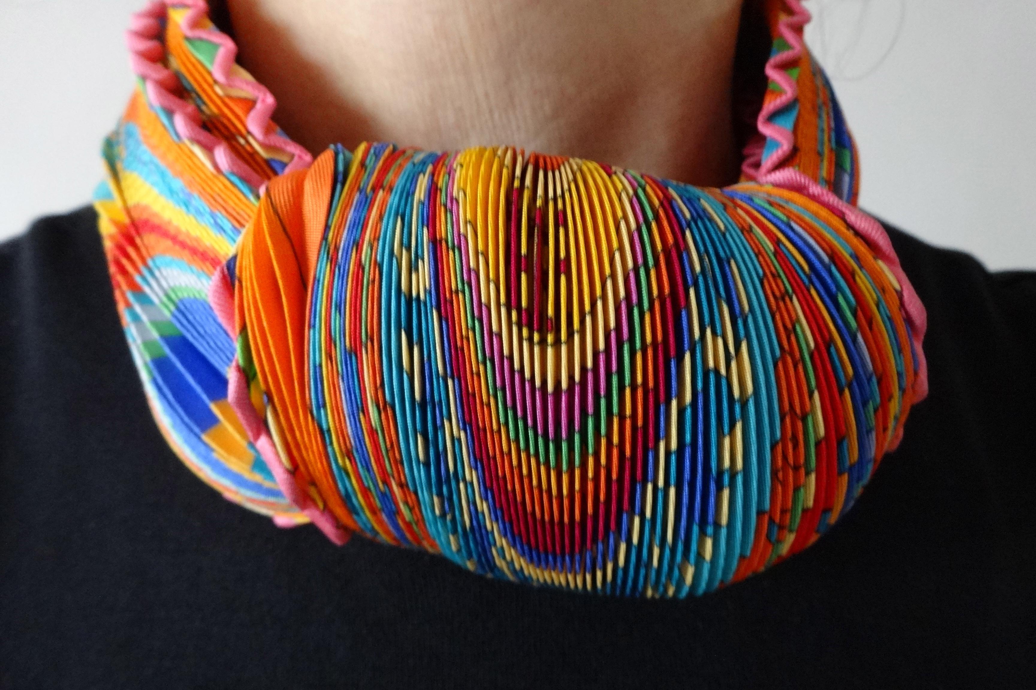 Tied with 2 knots - TohuBohu - mit 2 Knoten