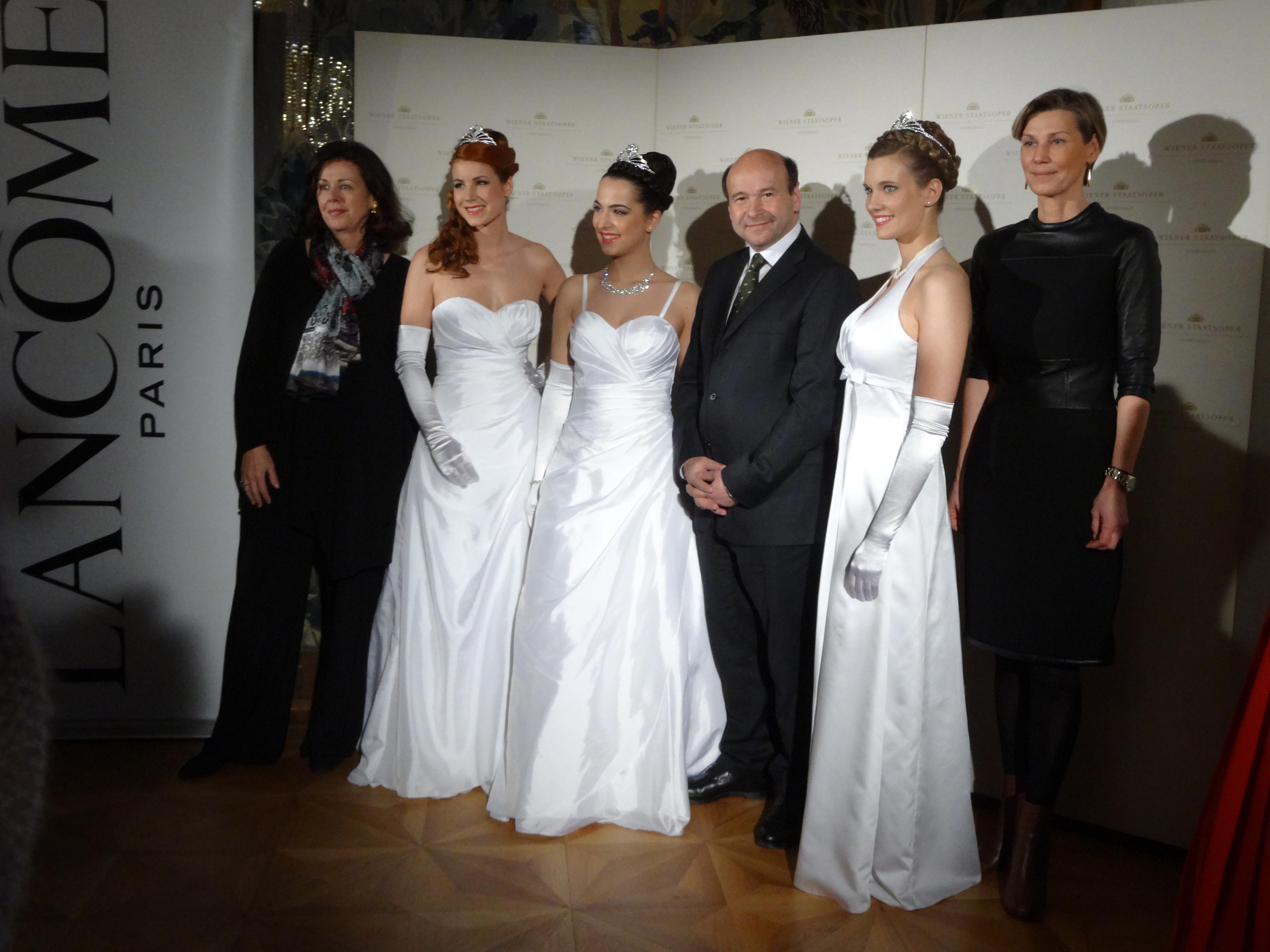 Eva Dintsis, Debutantes, Dominique Meyer, Debutante, Desirée Treichl-Stürgkh