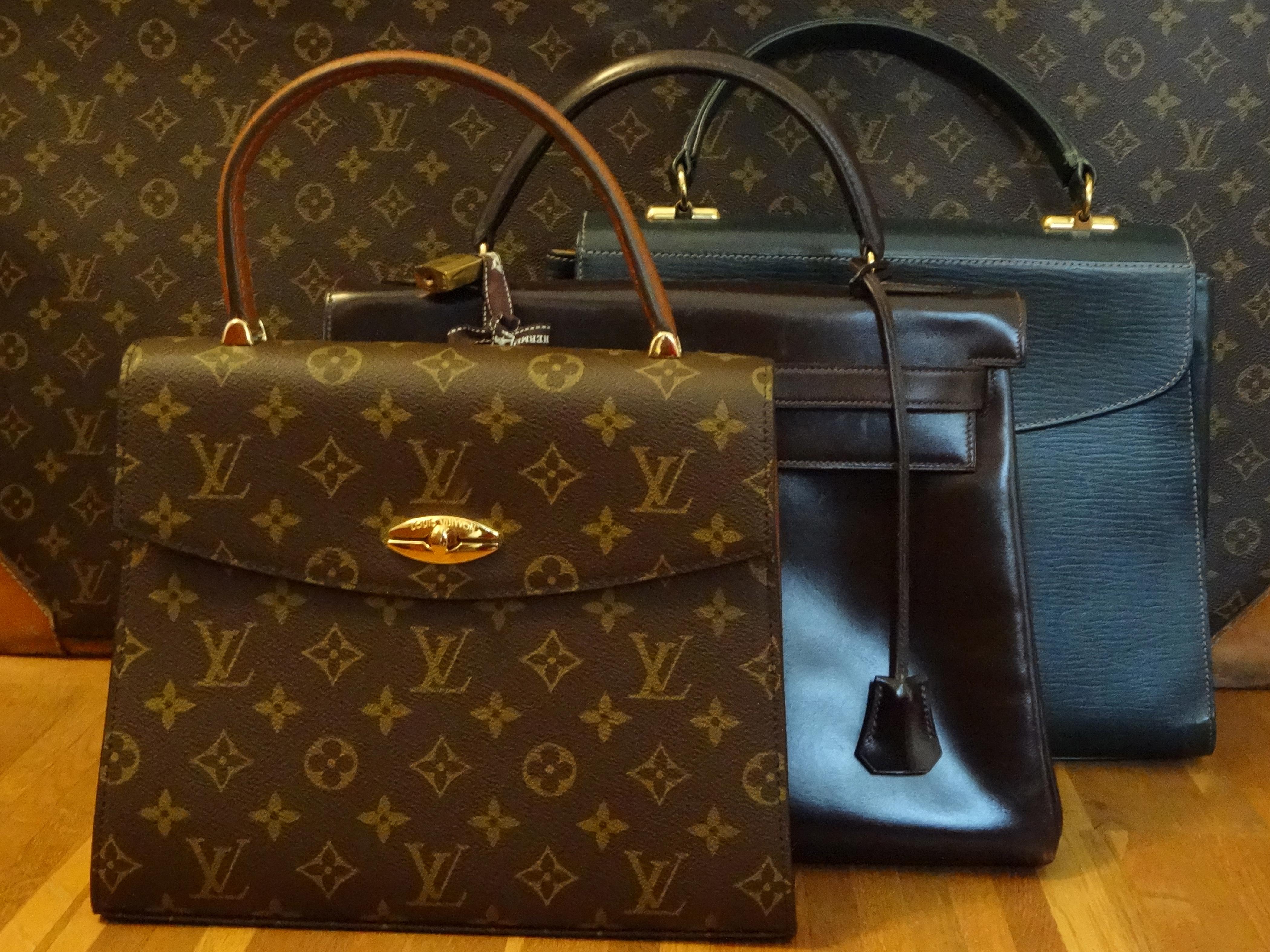 "3 ""Kelly"" shaped bags / 3 verschiedene ""Kelly"" -artige Taschen"