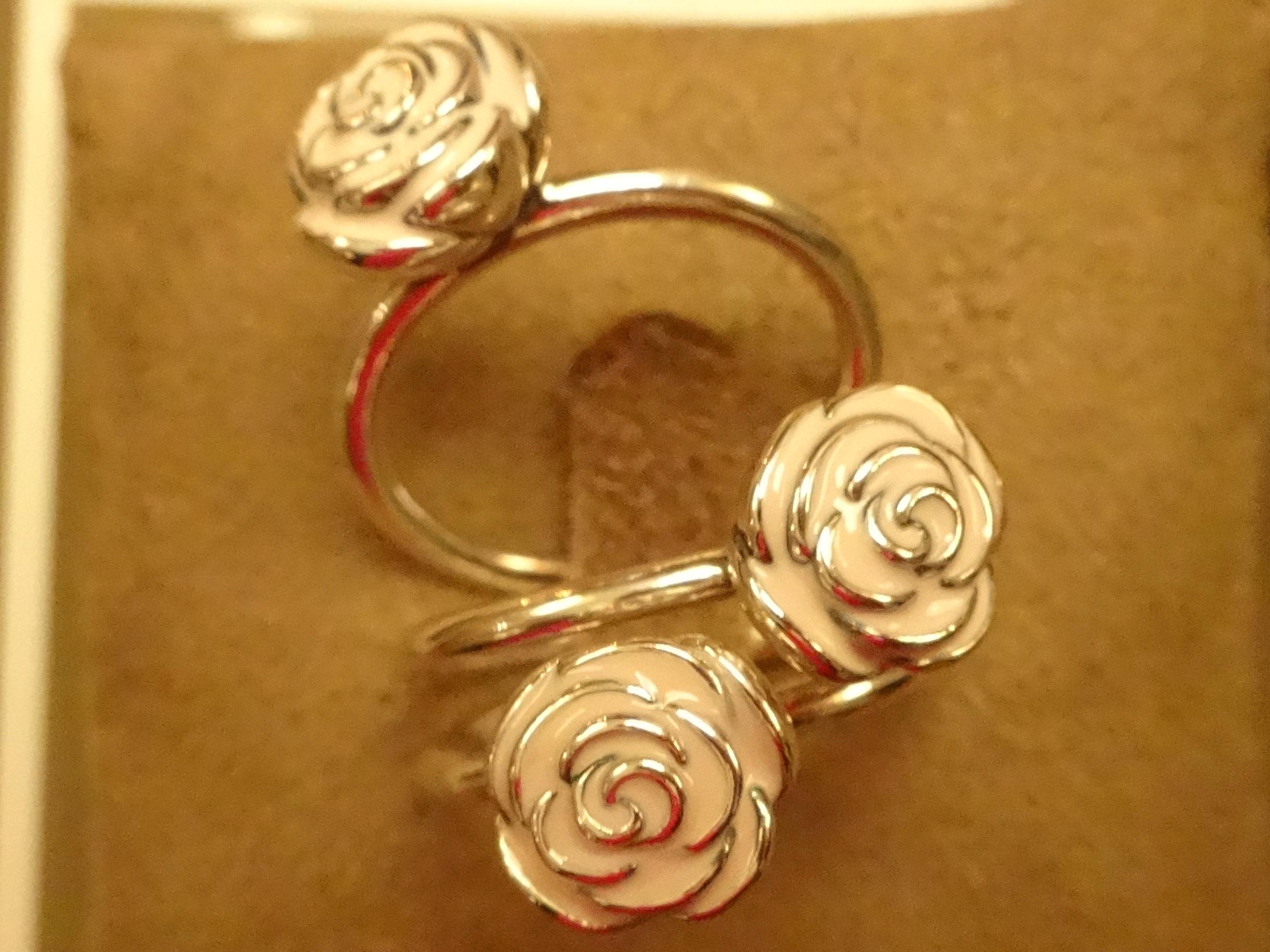 Rosen-Ringe, Sterling-Silber und Emaille