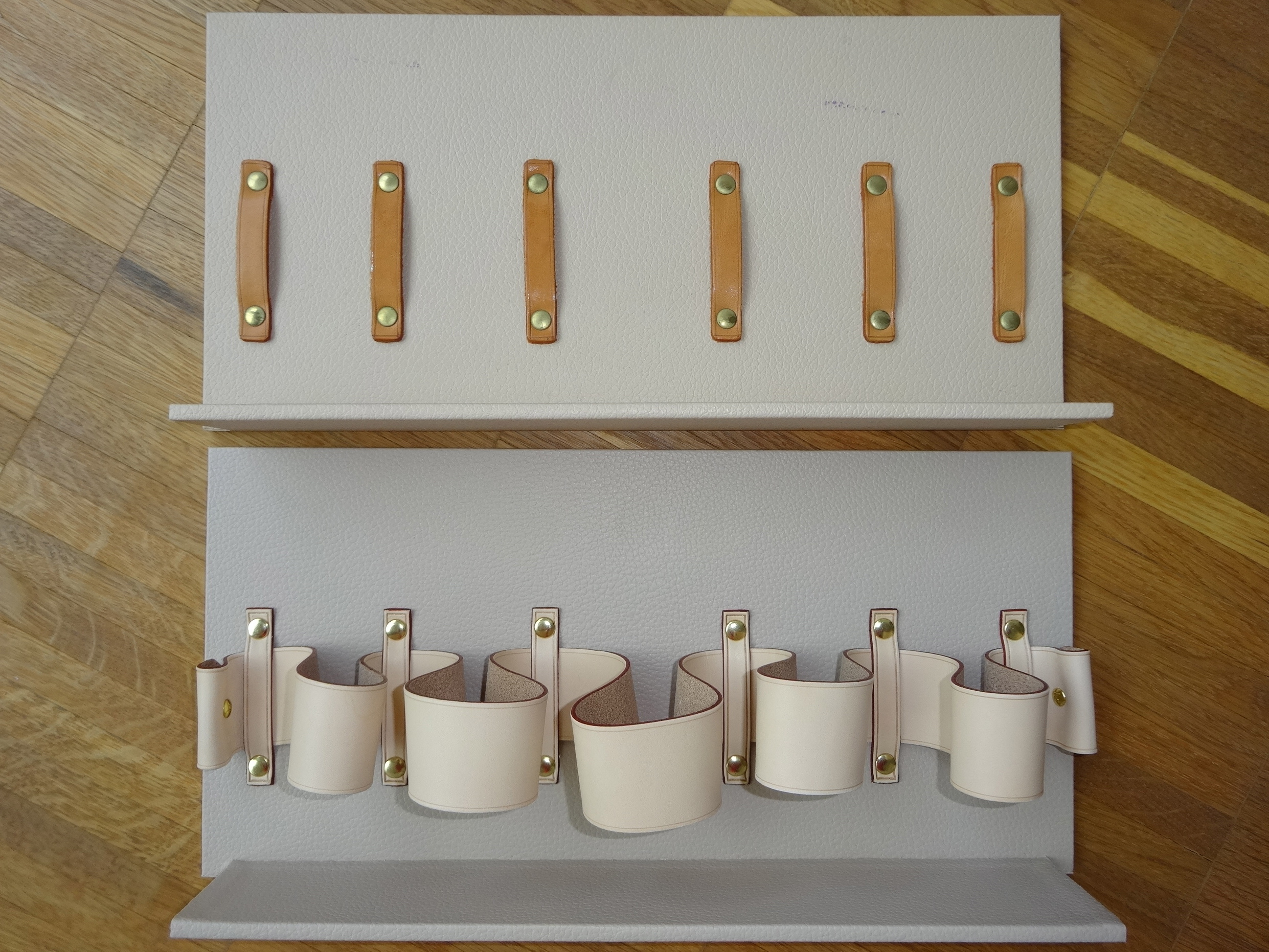 Dividers: top old, without strap, bottom new, with strap