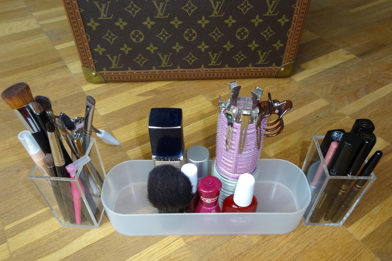 cosmetics in MUJI trays