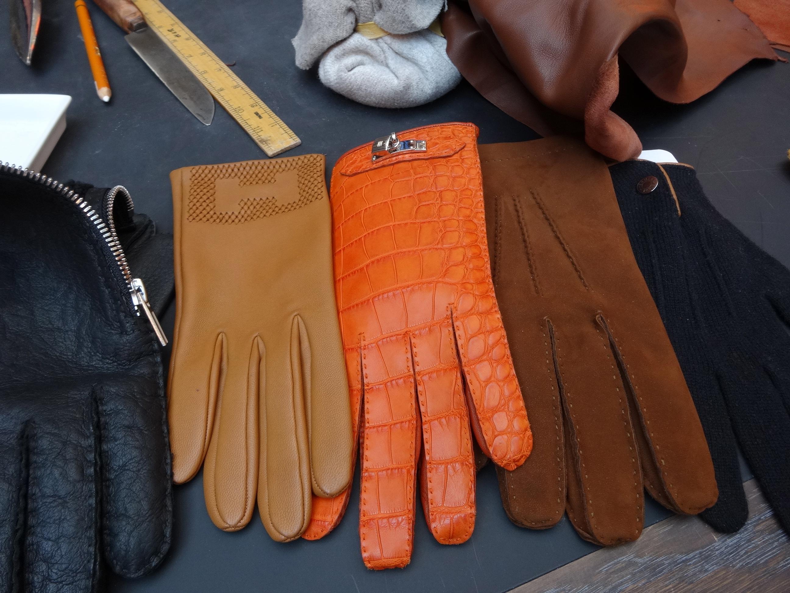 selection of Hermès gloves / Auswahl an Hermès Handschuhen