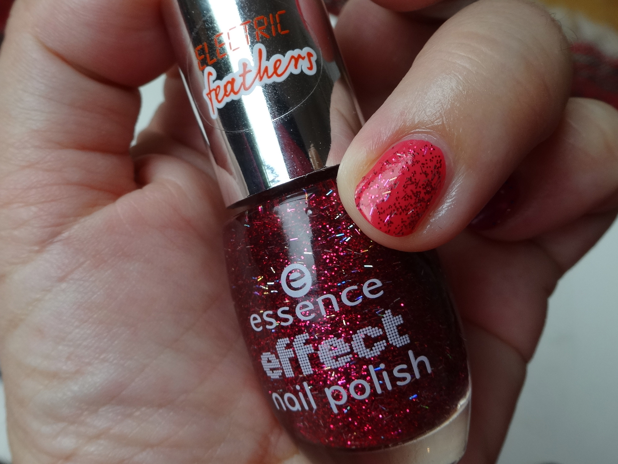essence electric feathers 18 that's my pop cake! über/over color & go 185 candy crush