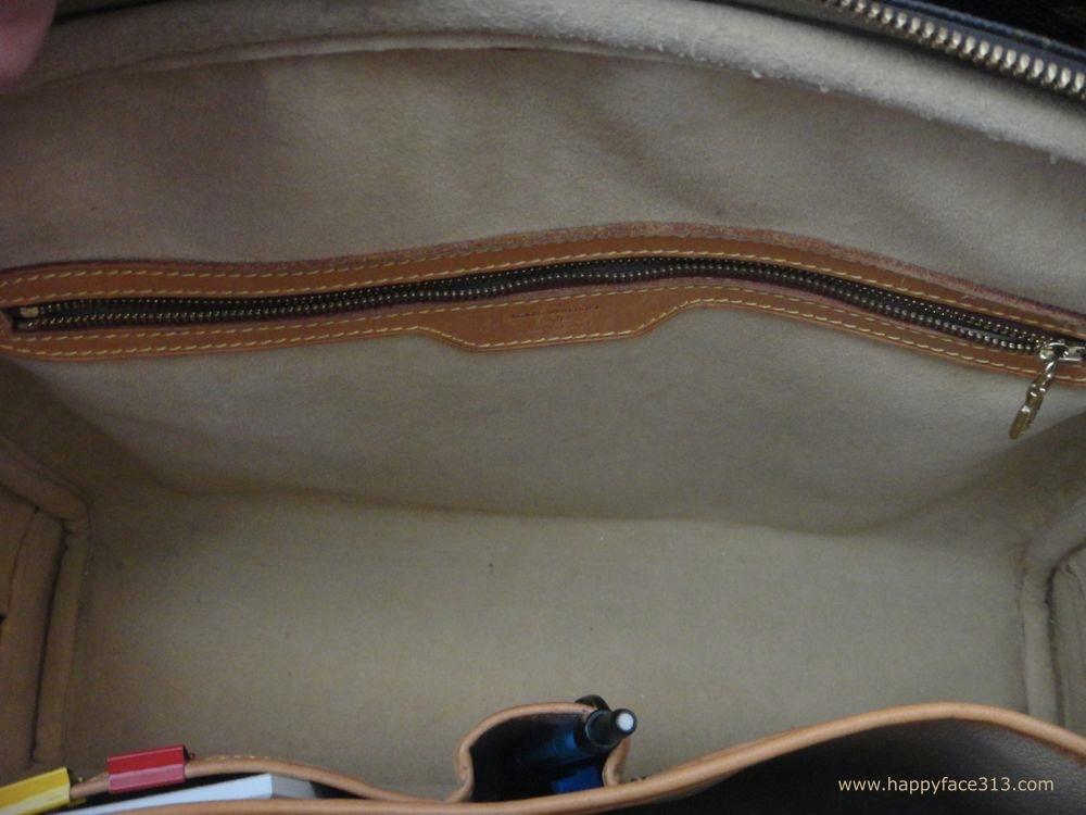 Reissverschlussfach / zippered pocket - LV Rivoli