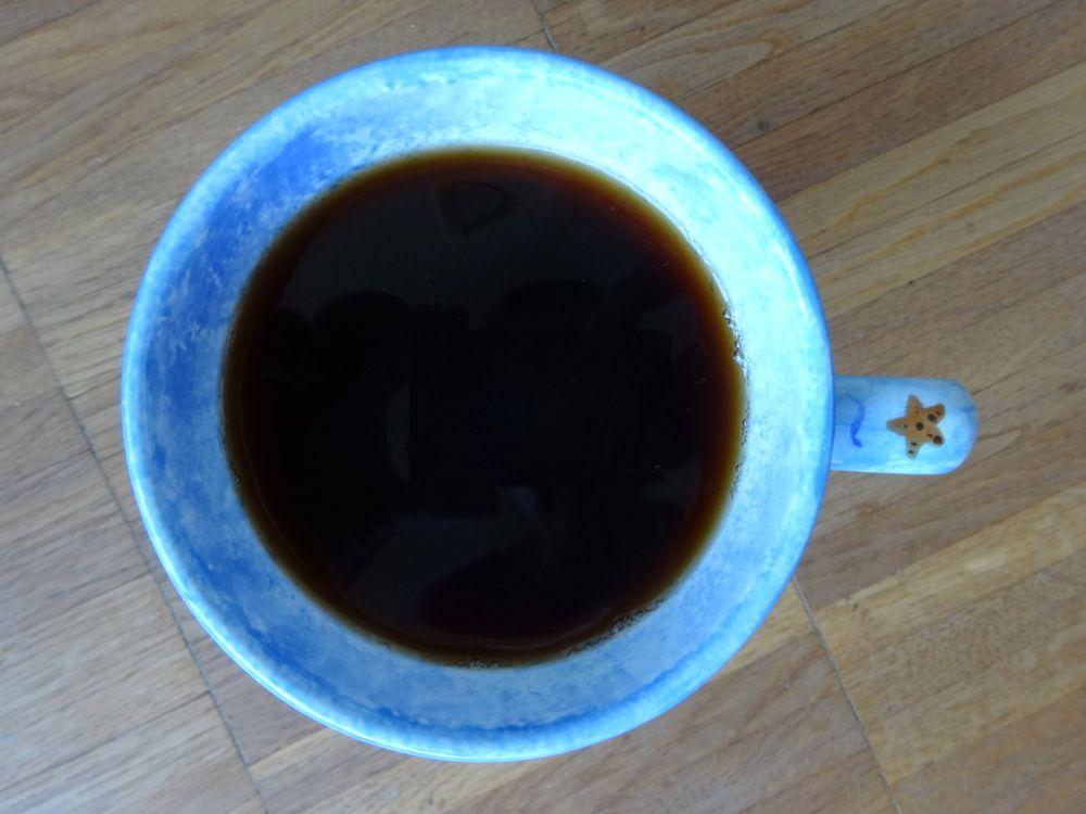 happy fish, swimming in my coffee / glückliche Fische, die im Kaffee schwimmen