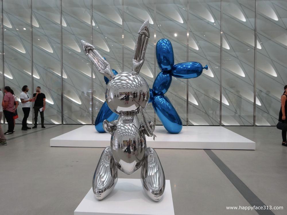 The Broad Jeff Koons Ballon Dog + Rabbit