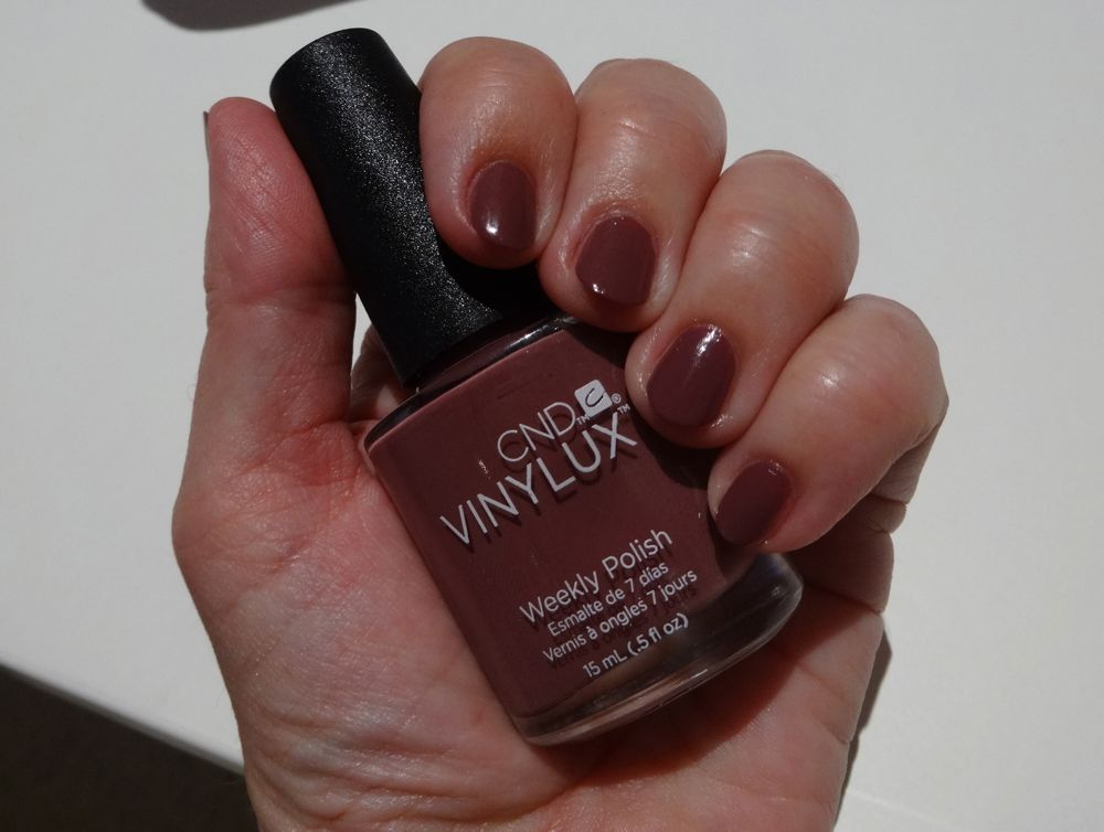 der neue CND Vinylux Nagellack #129 Married to the Mauve