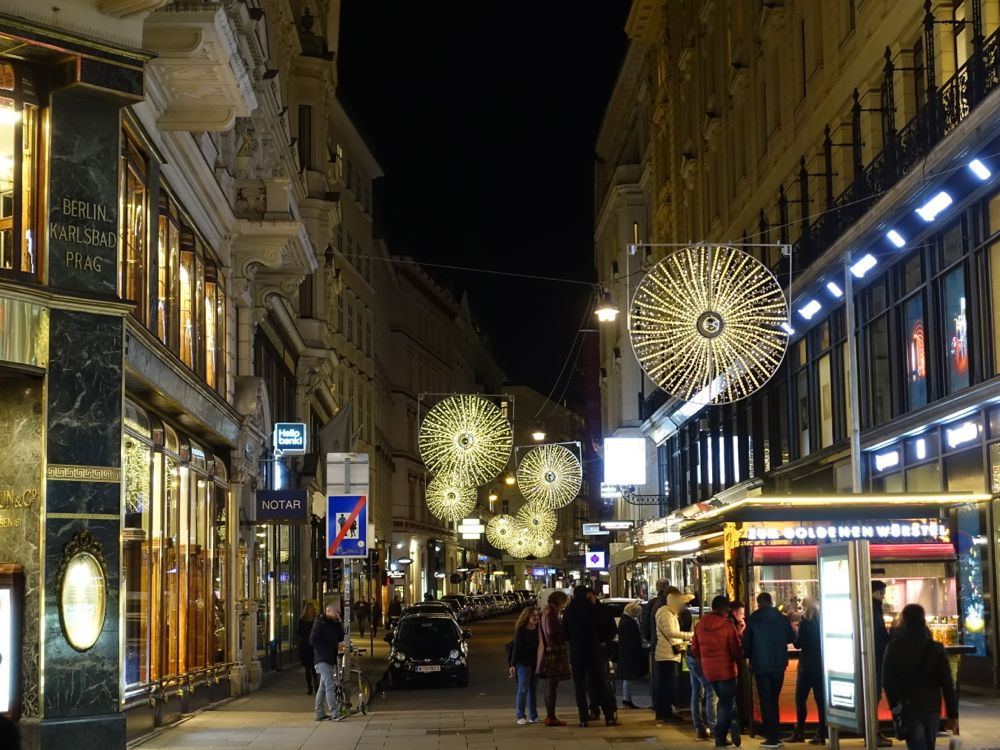 lights on Spiegelgasse