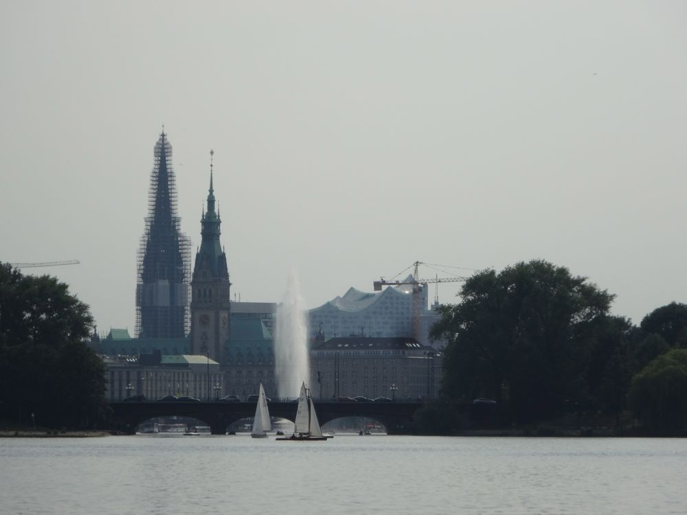 the tower and the green roof of Hamburg's city hall can be seen from far away