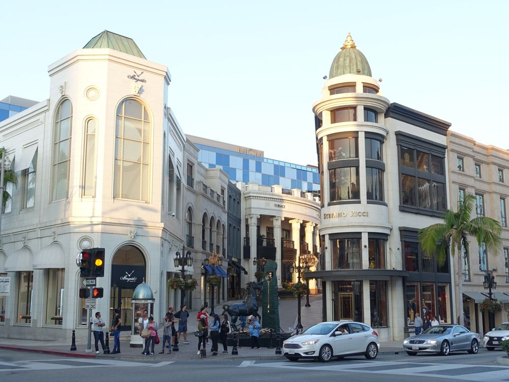luxury shopping in Beverly Hills