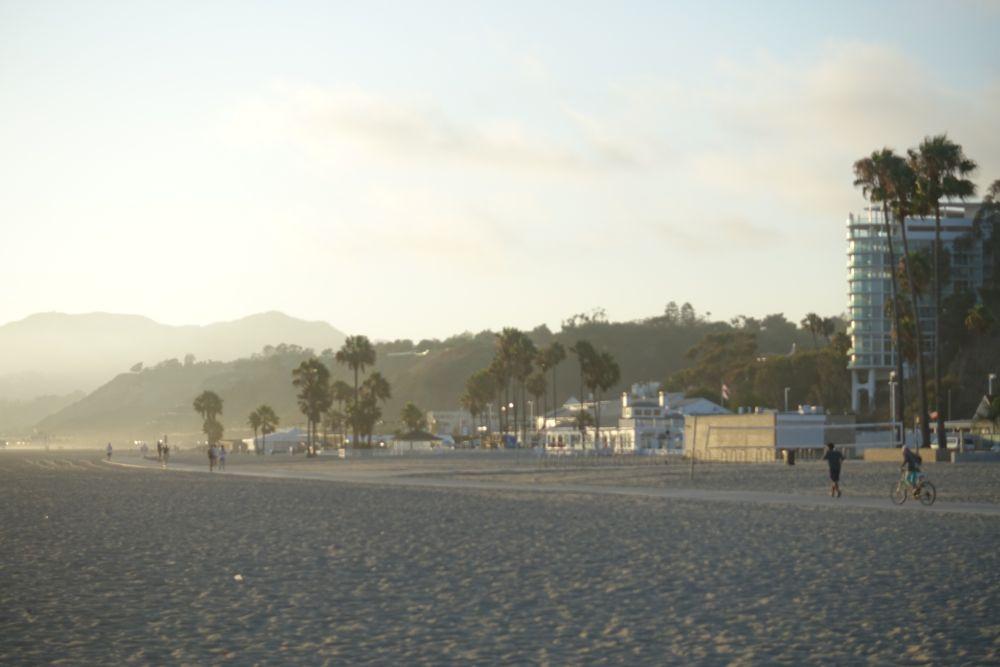 HappyFace313-PCH-Santa-Monica-beach-4