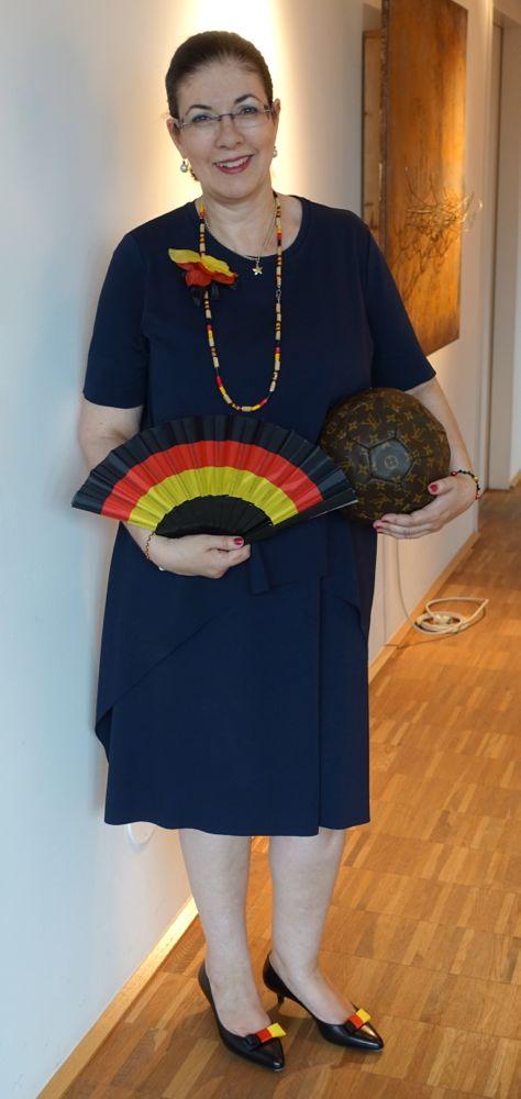 Fussball-Wahn im super bequemen COS Kleid