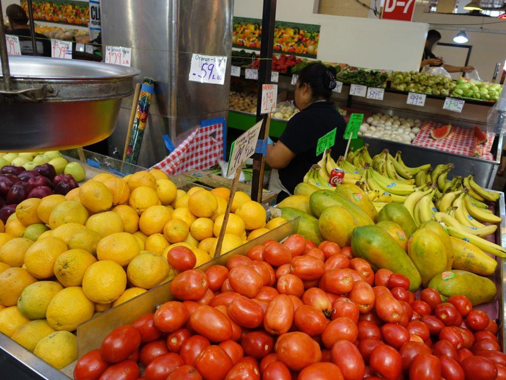fresh produce / frishes Obst und Gemüse