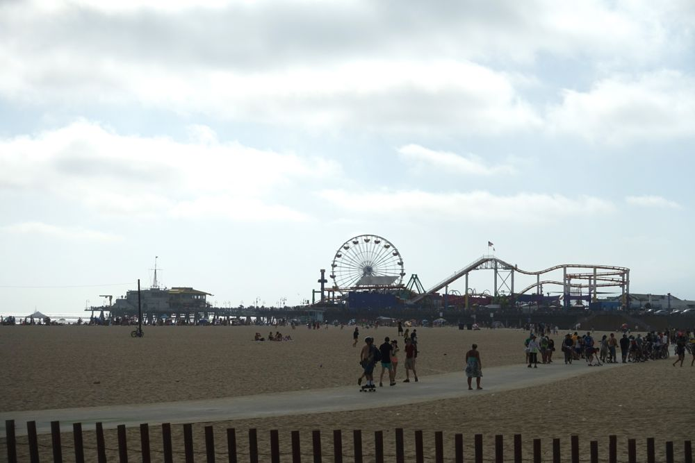 HappyFace313-share-your-world-santa-monica-beach