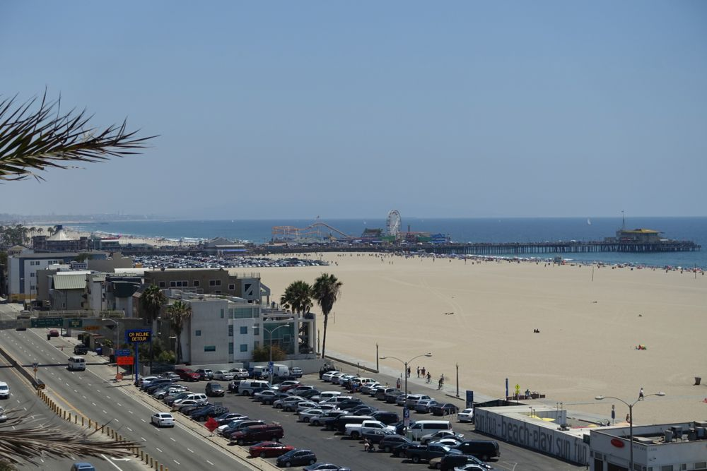 HappyFace313-share-your-world-Santa-Monica-Pier-beach