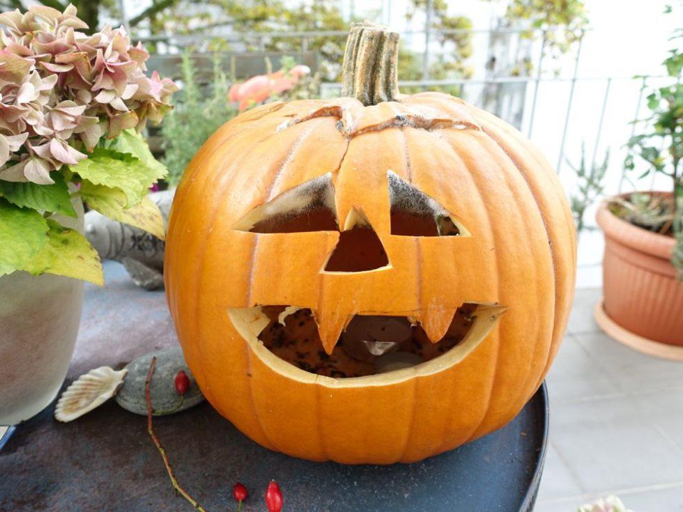HappyFace313-Zombie-Halloween