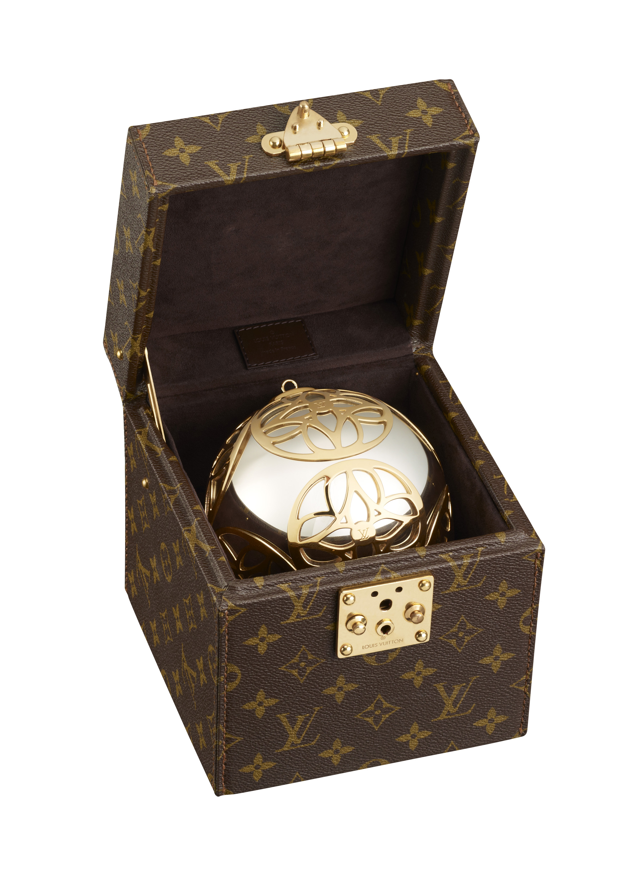 (c) Louis Vuitton Coffre Boule Noel