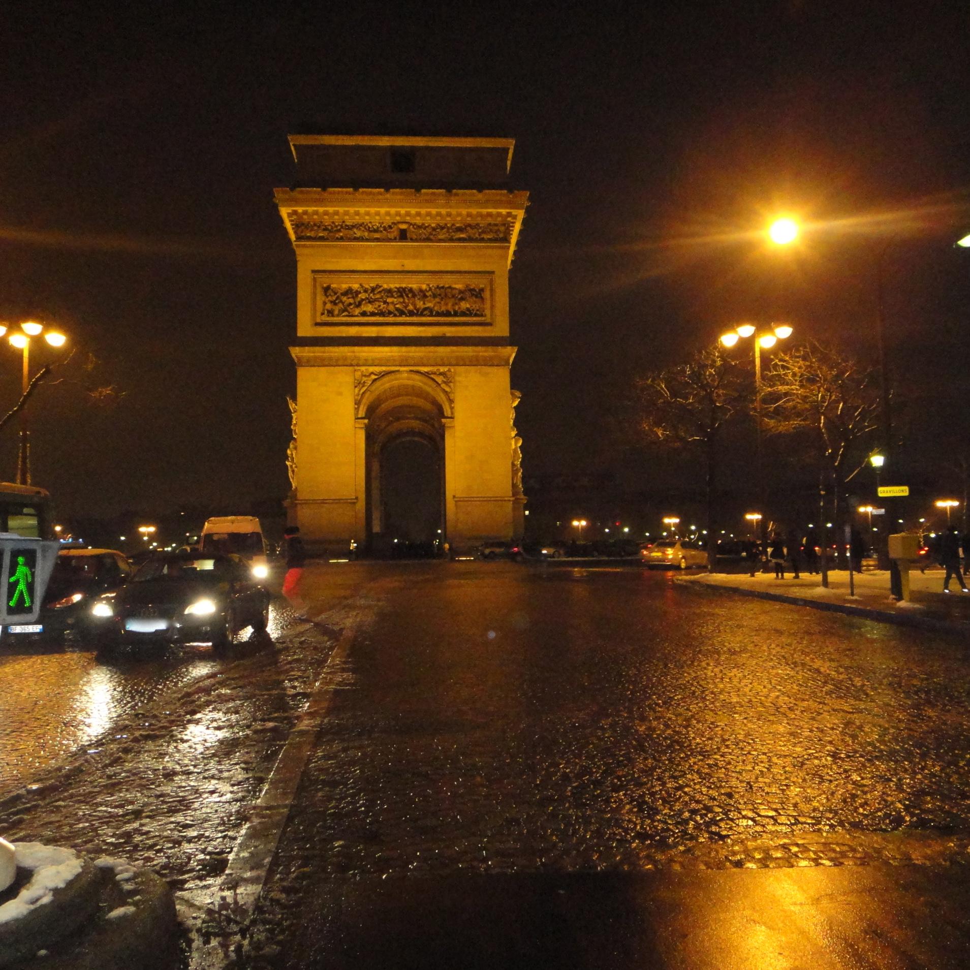 l'Arc de Triomphe - side view / Seitenansicht