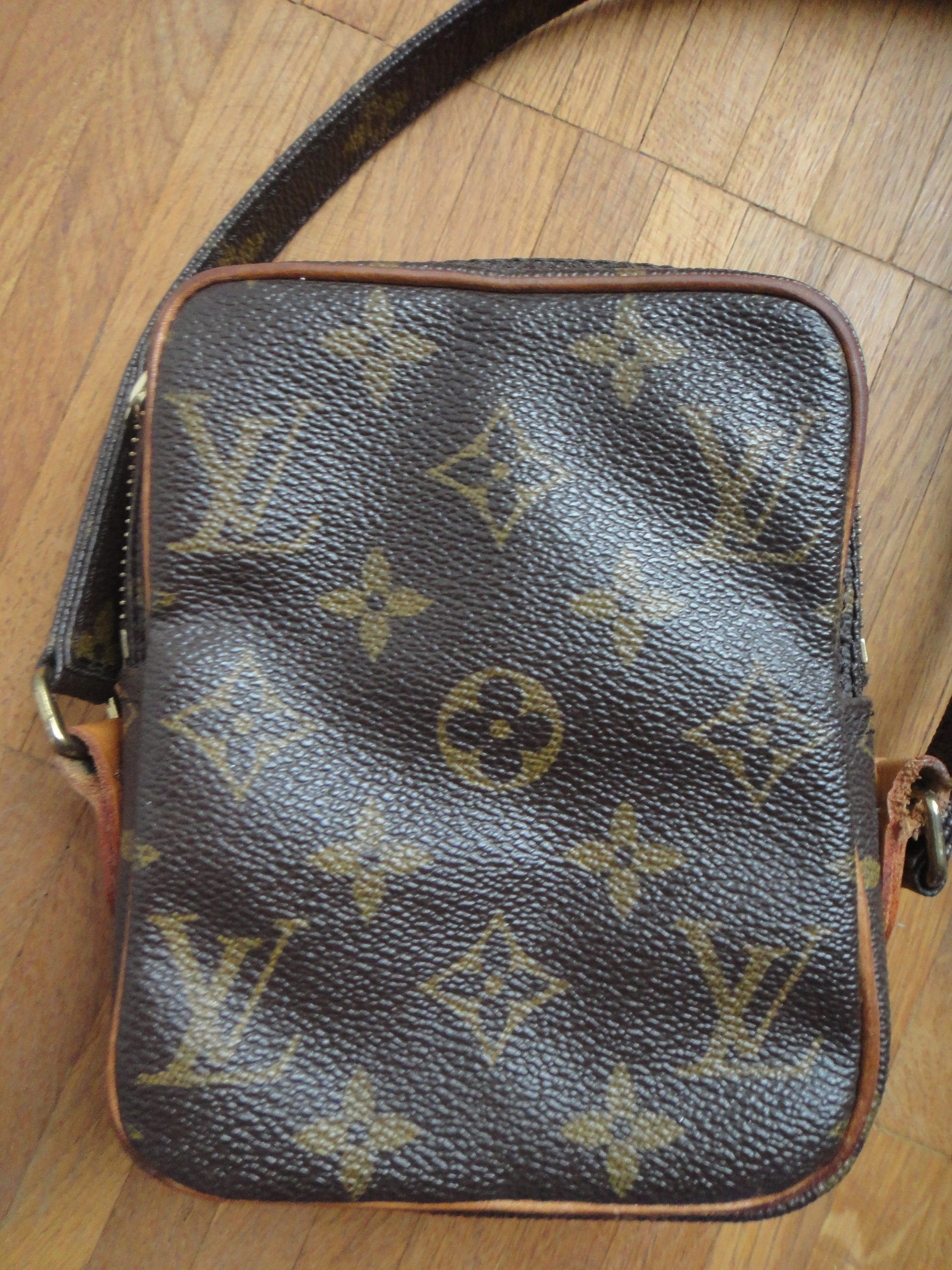 68aa8fa334f8 My little Louis Vuitton Museum   Mein kleines LV Museum ...