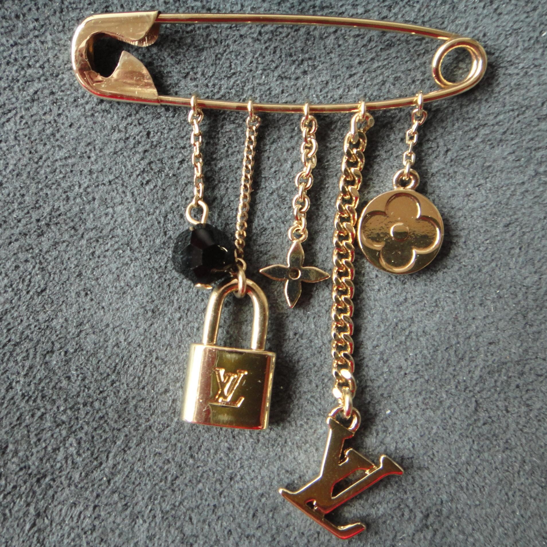Broche Epingle a Nourri(ce) - brooch - Brosche