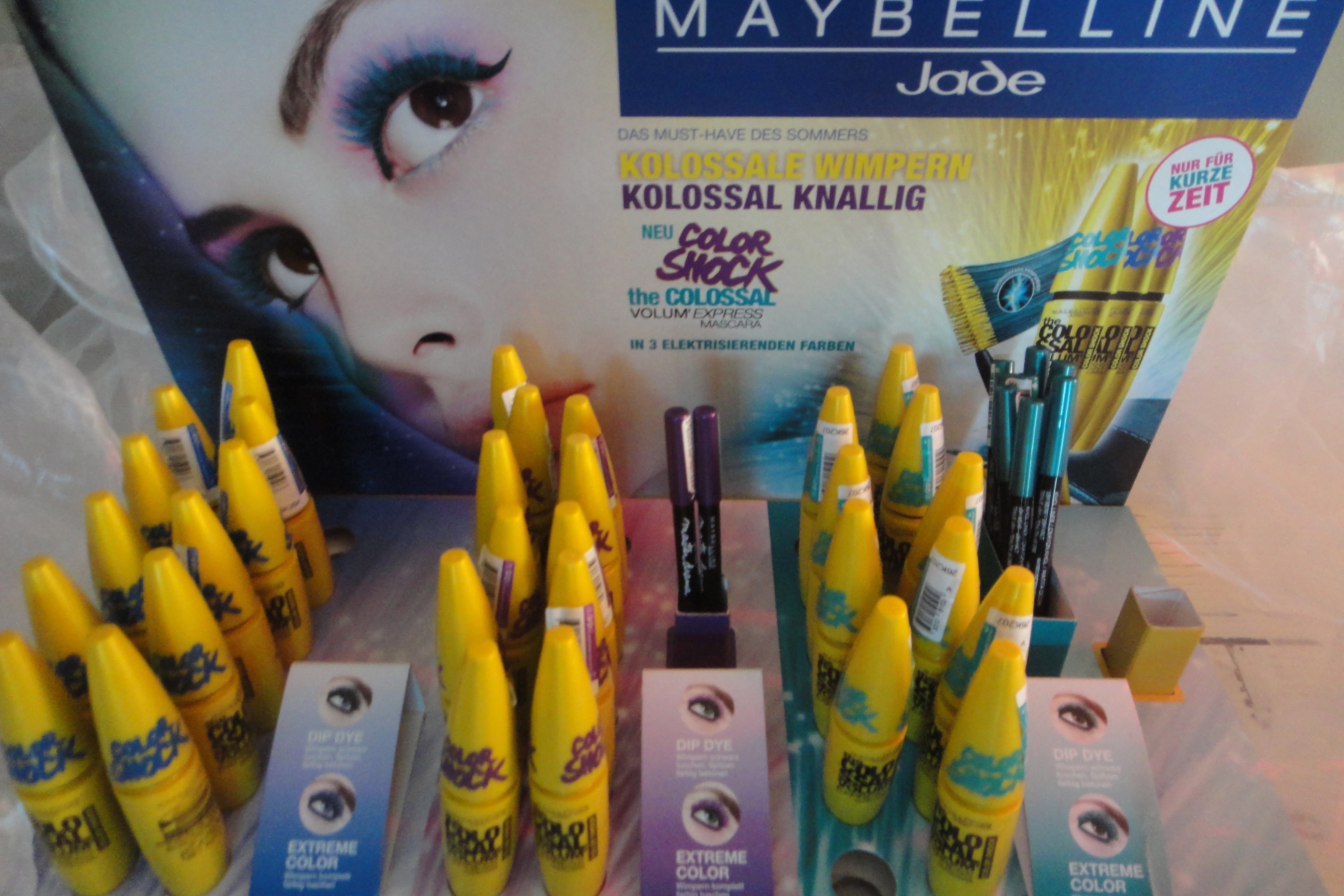 Maybelline Jade Volum'Express The Colossal Color Shock Mascaras
