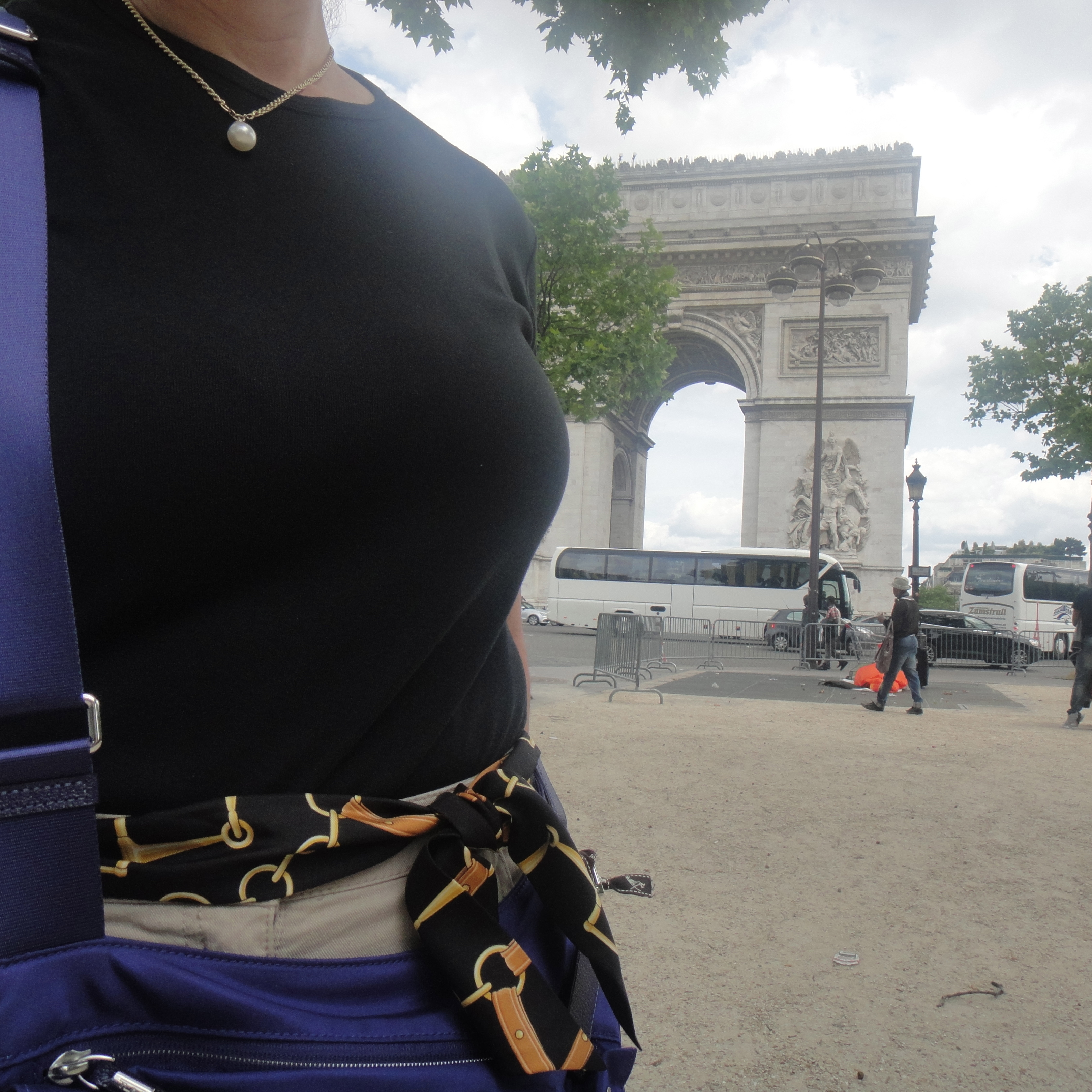 Proof! We were there - Silky1Way Twilly and me - l'Arc de Triomphe