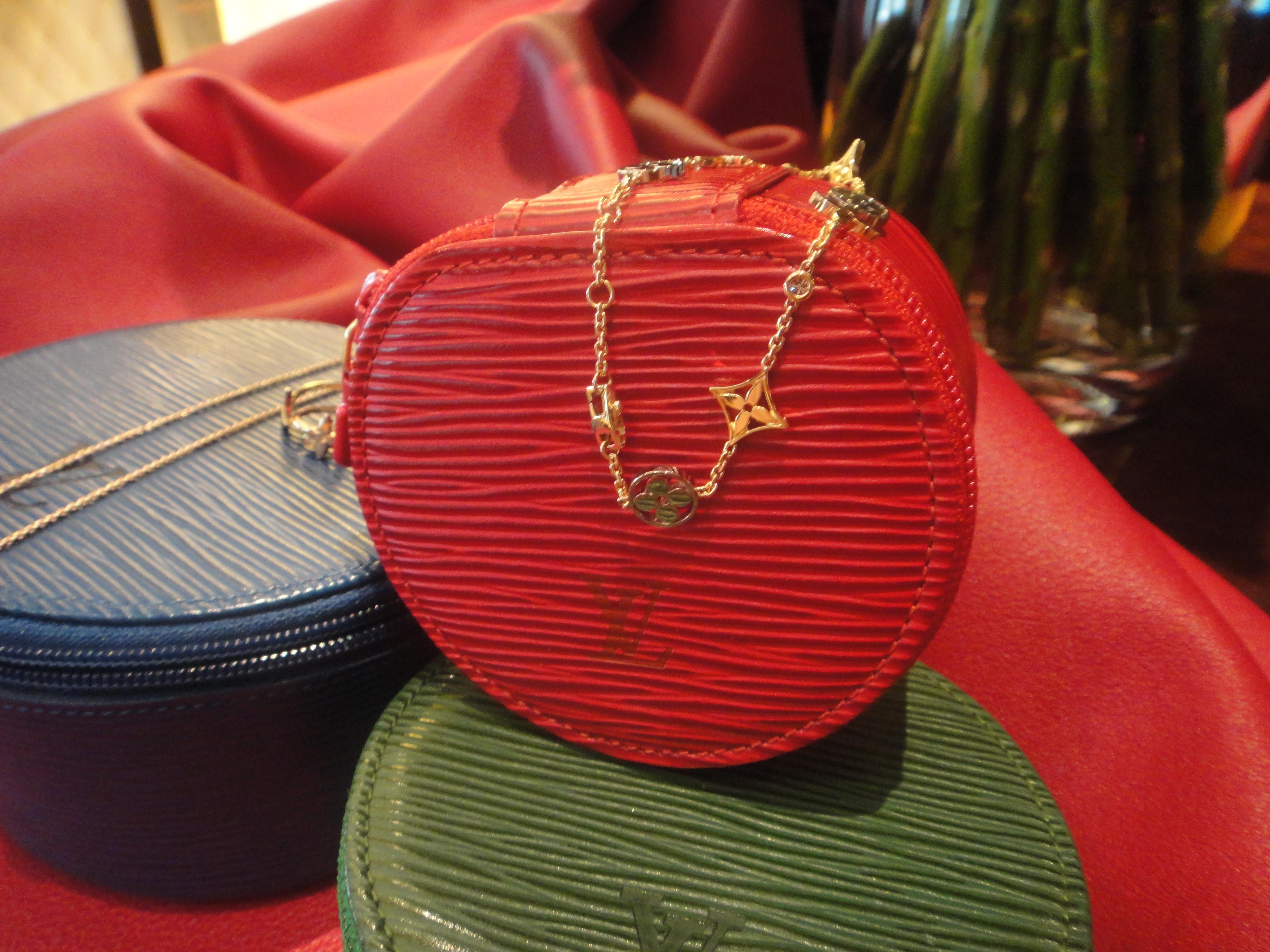 Epi Jewelry case & Monogram Idylle bracelet