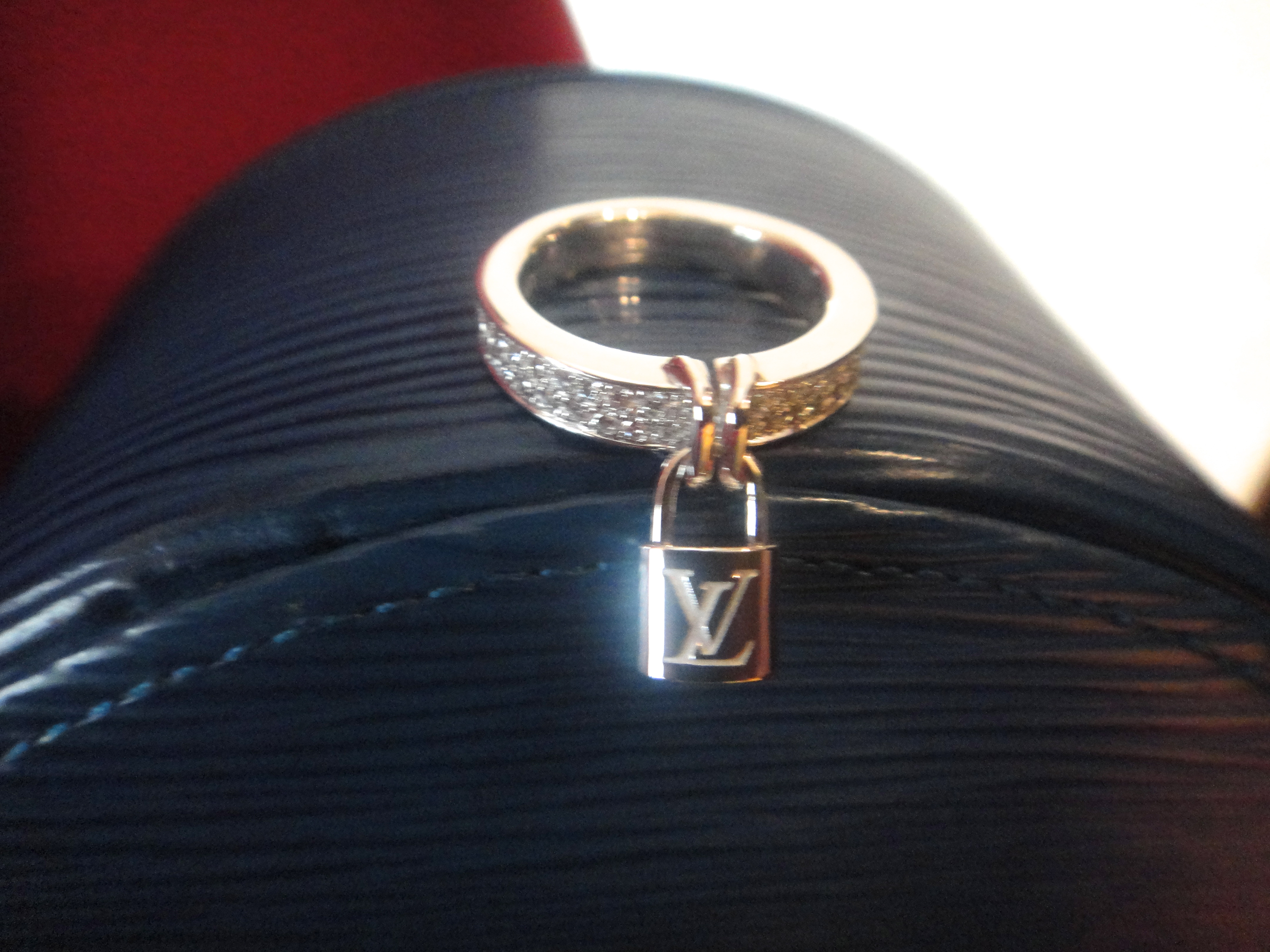 LV Epi Ecrin Bijoux & Lock-It Ring white gold and diamonds