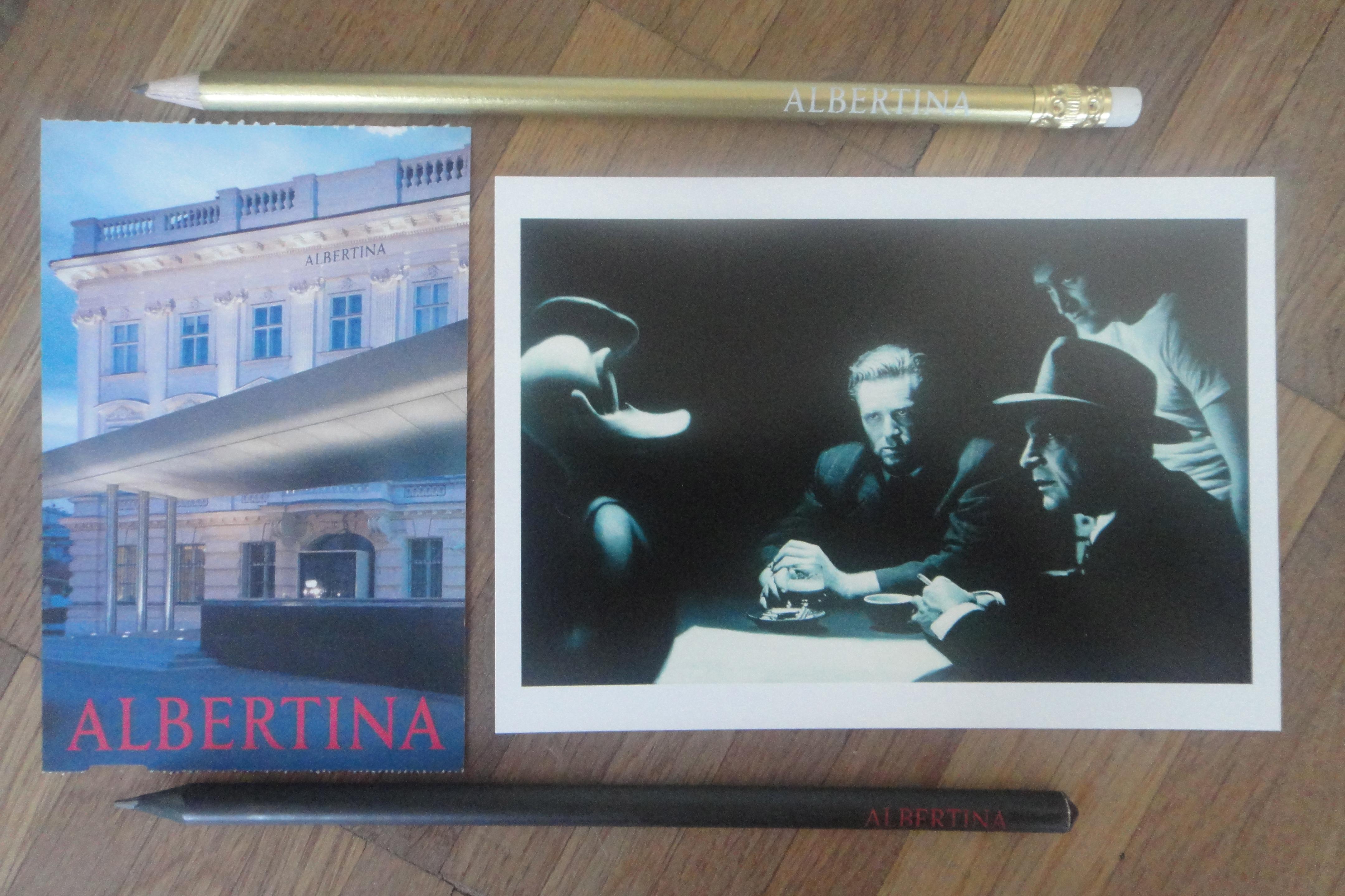 """rechts Postkarte """"Dark Hour"""", 2003 (c) Gottfried Helnwein"""
