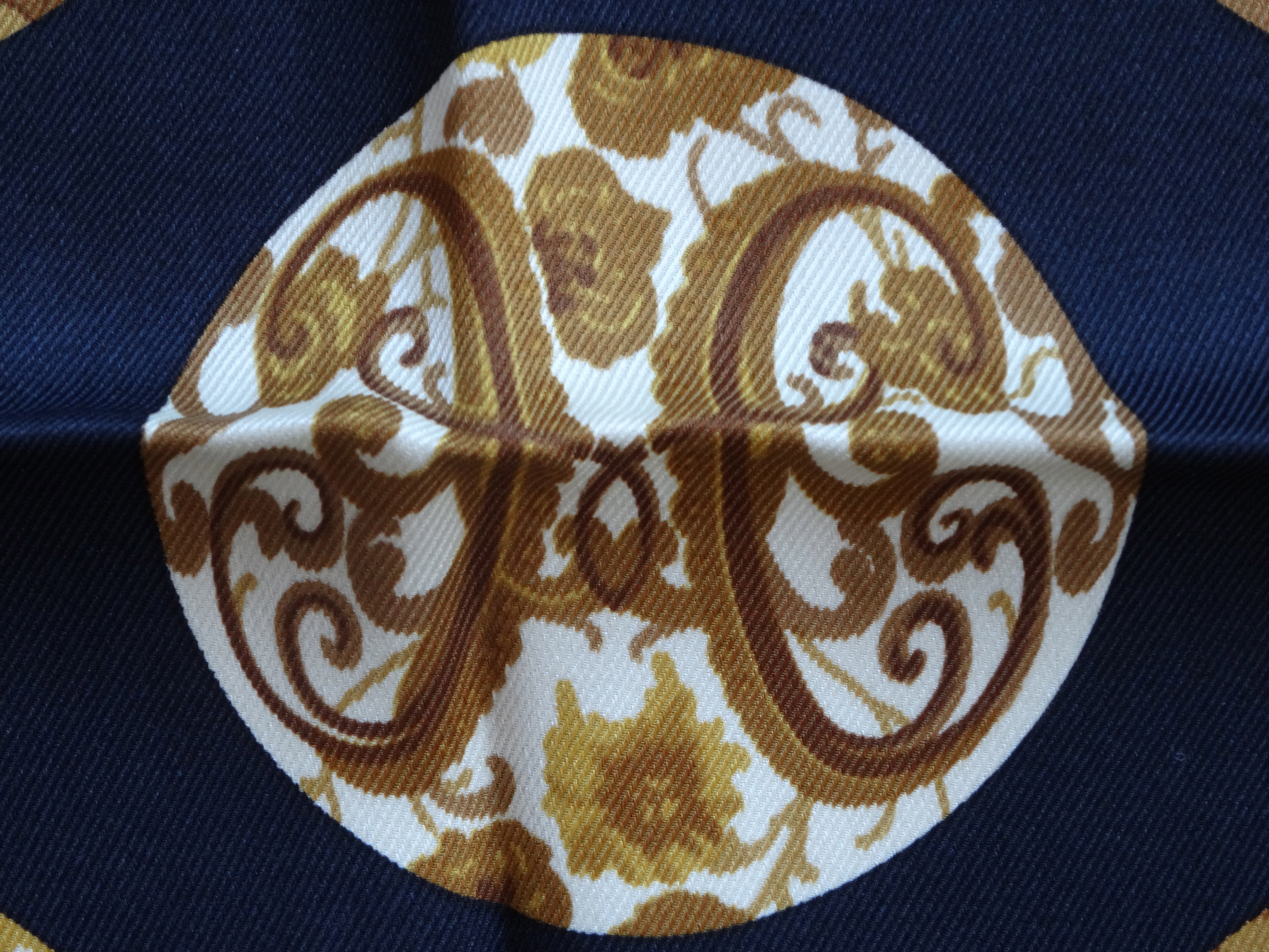 Detail Pois de Soie Hermès