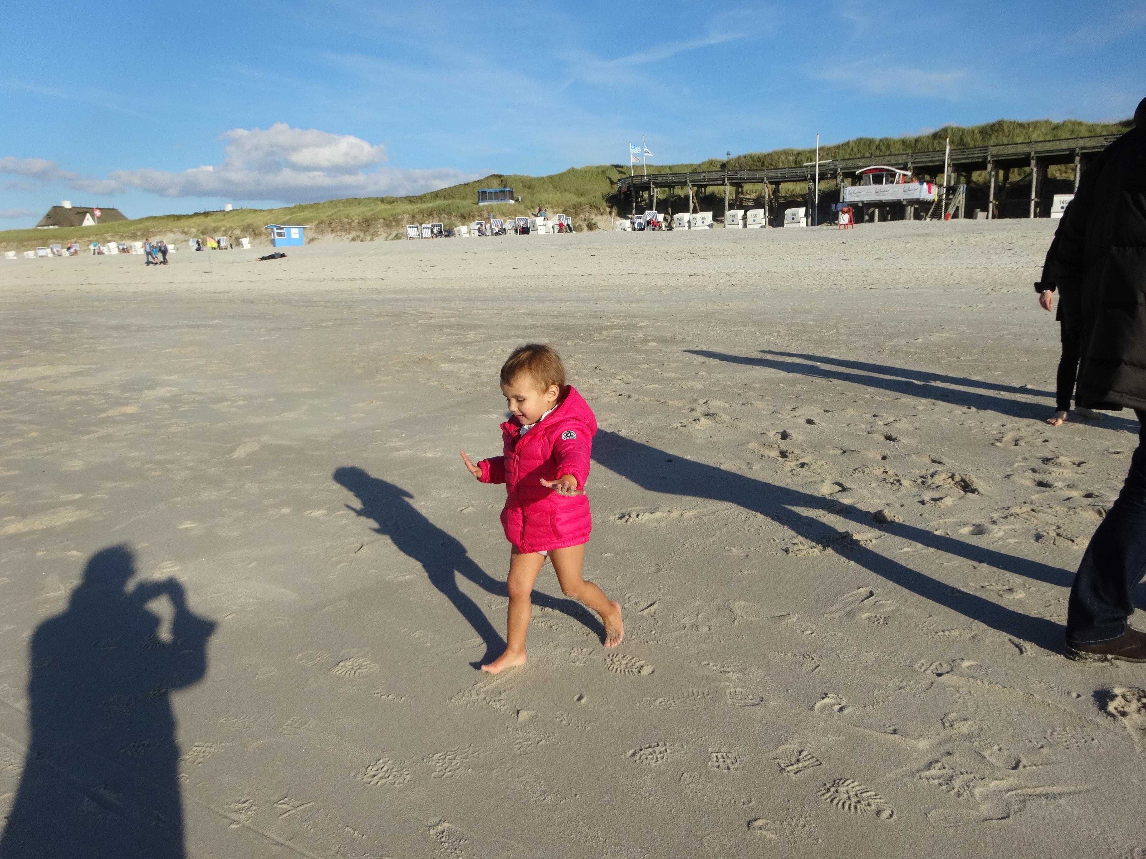 Beaches are fun! / Spaß am Strand