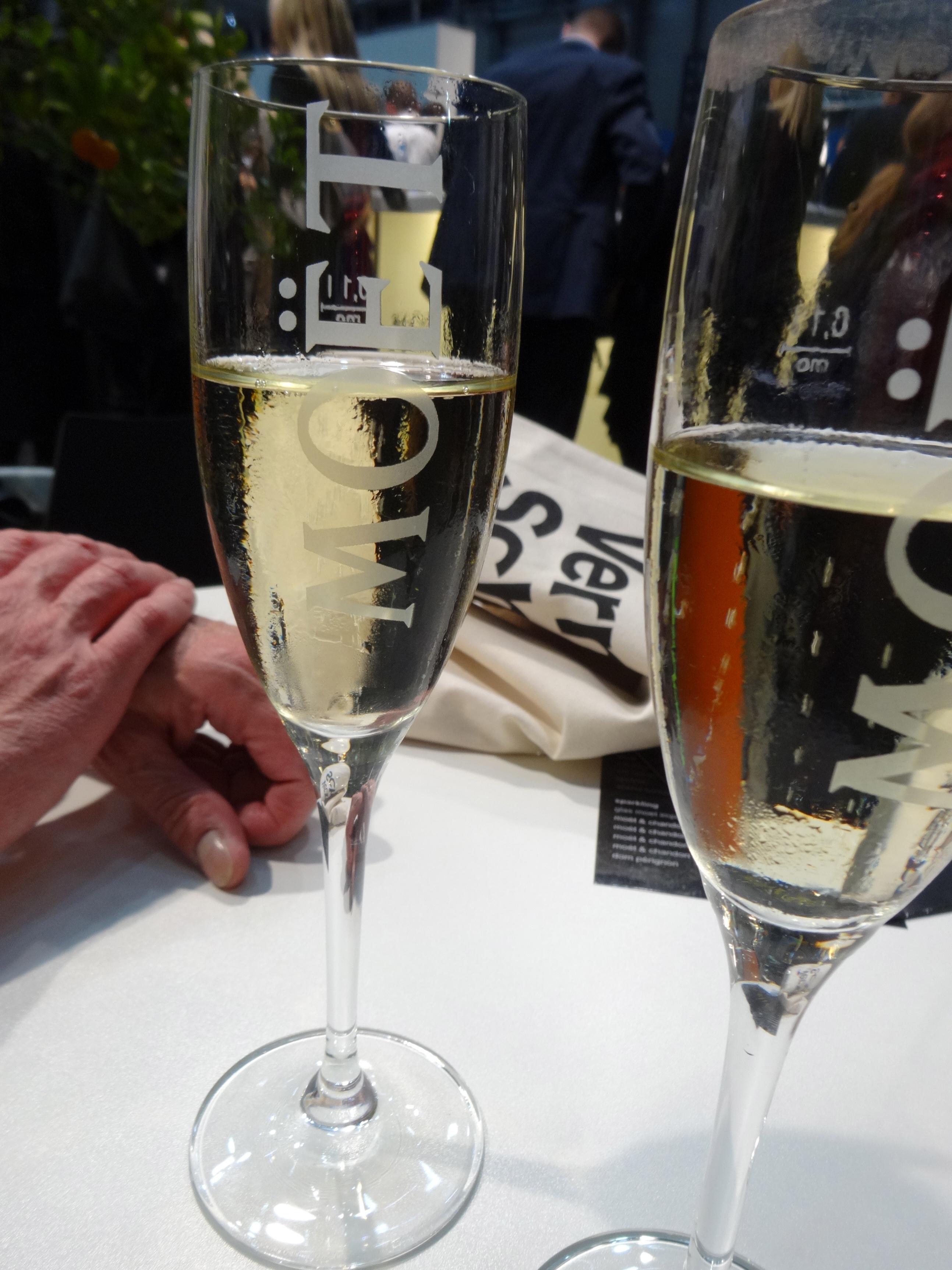 enjoying a glass of Moet / ein Gläschen Moet geniessen
