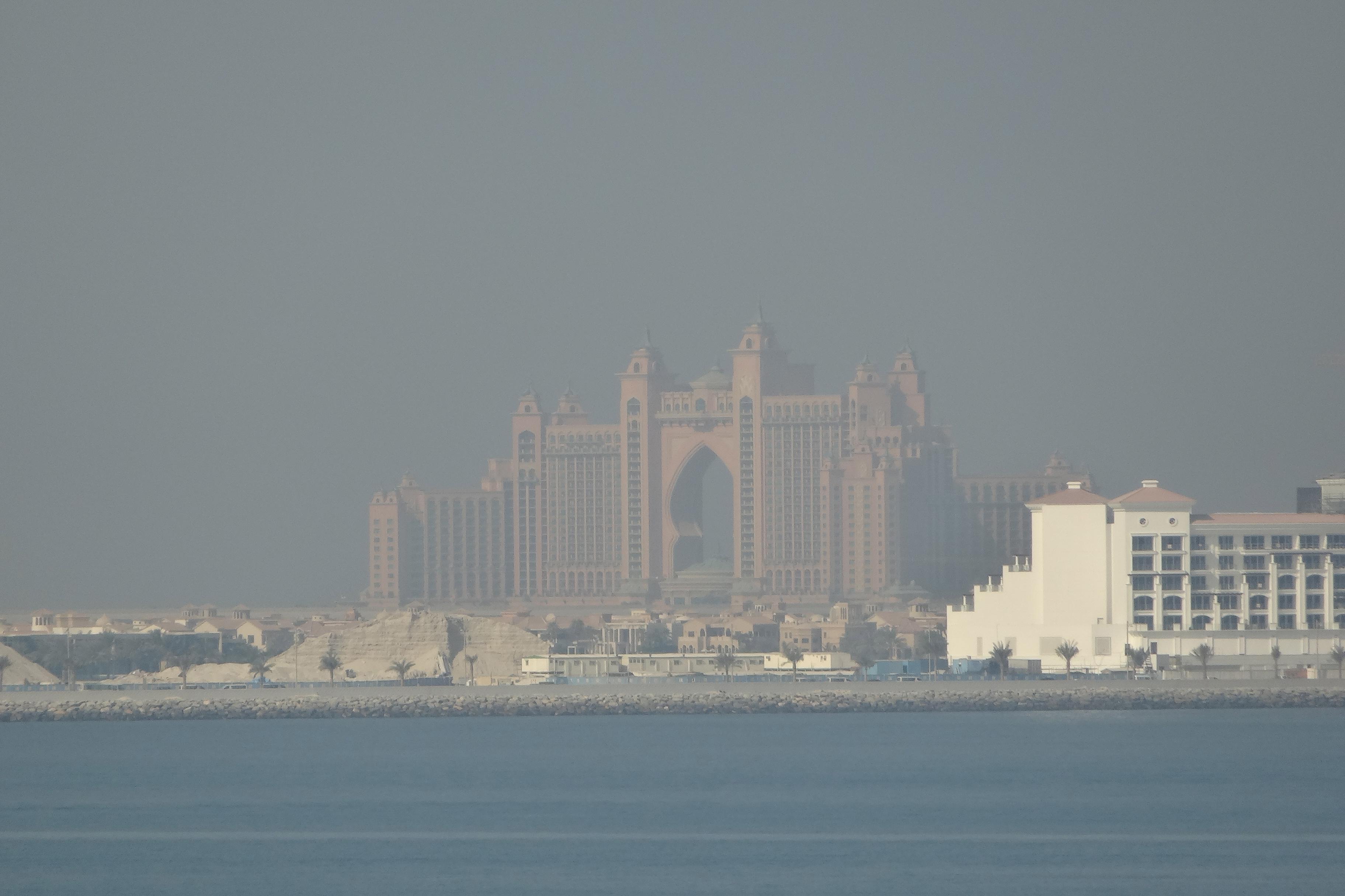 "Hotel Atlantis on Dubai's ""Palm"""