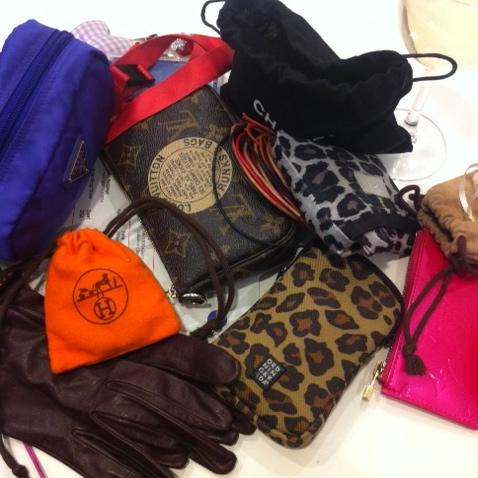 my handbag is FULL... / meine Handtasche ist VOLL