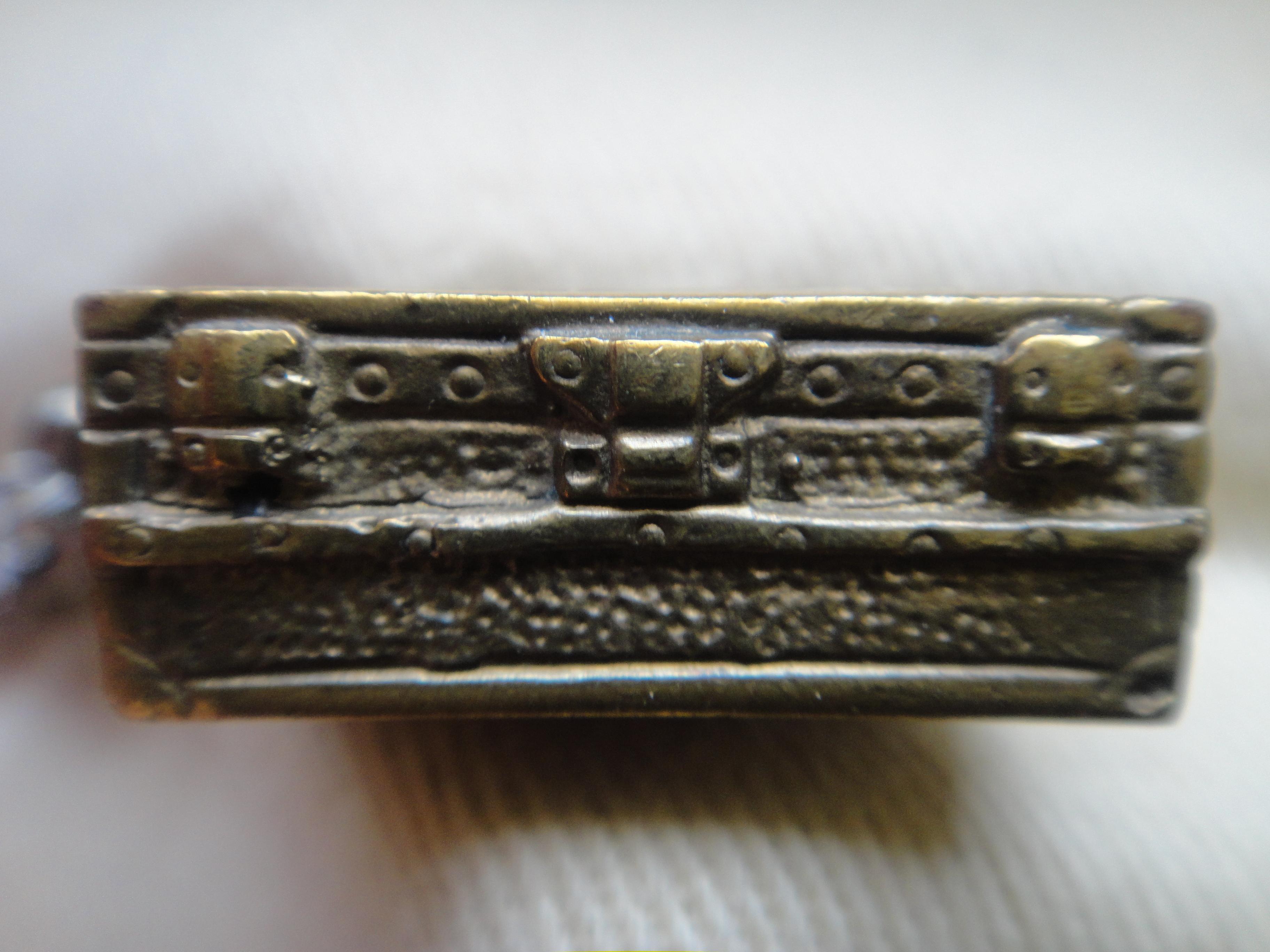 DSC04056 Louis Vuitton Porte Clefs Malle 2 HappyFace313