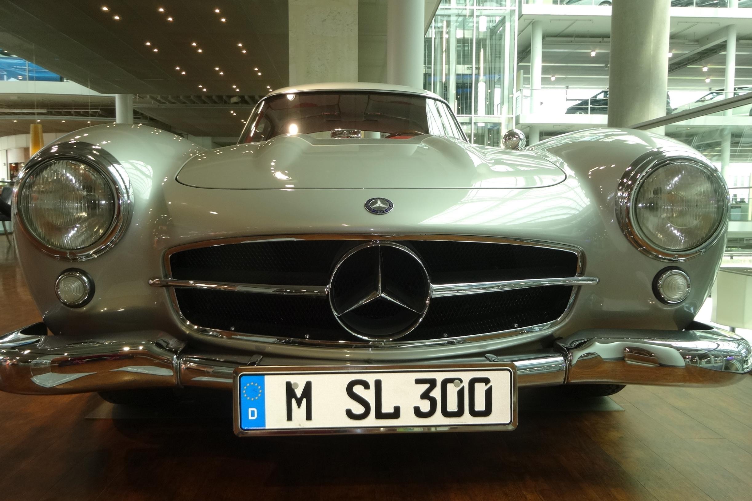 Mercedes W 198