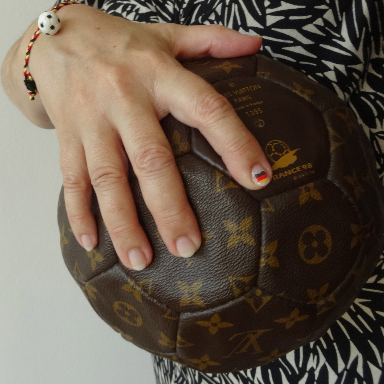 Louis Vuitton Football fussball essence armband humba HappyFace313