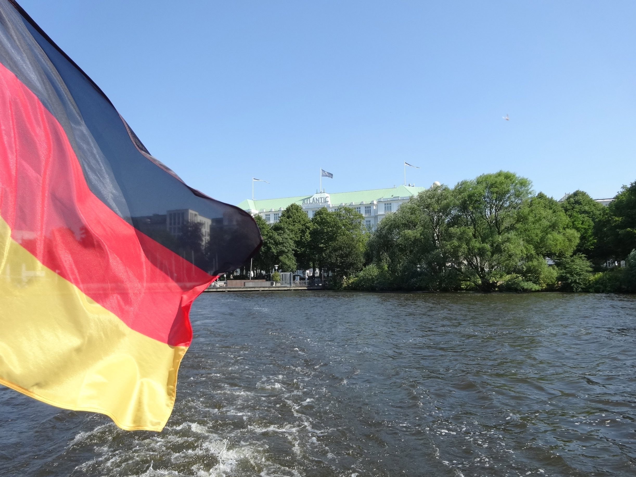 Leaving the outer Alster / die Aussenalster verlassend