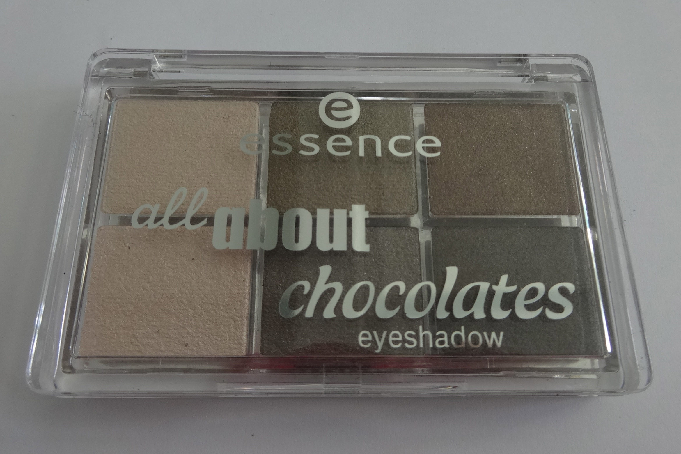 essence 01 chocolates - all about chocolates eyeshadow palette