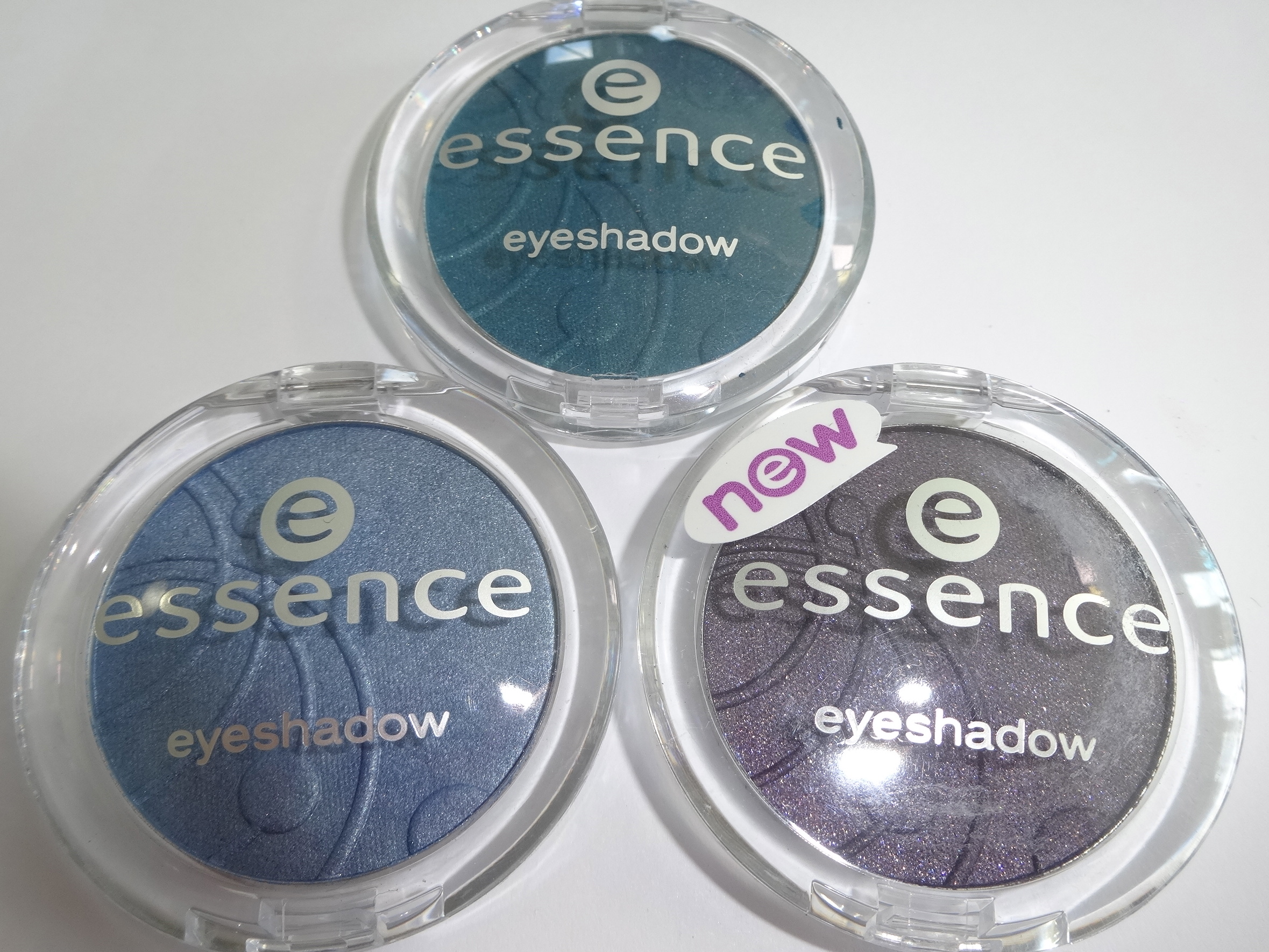 3 neue essence mono eyeshadows